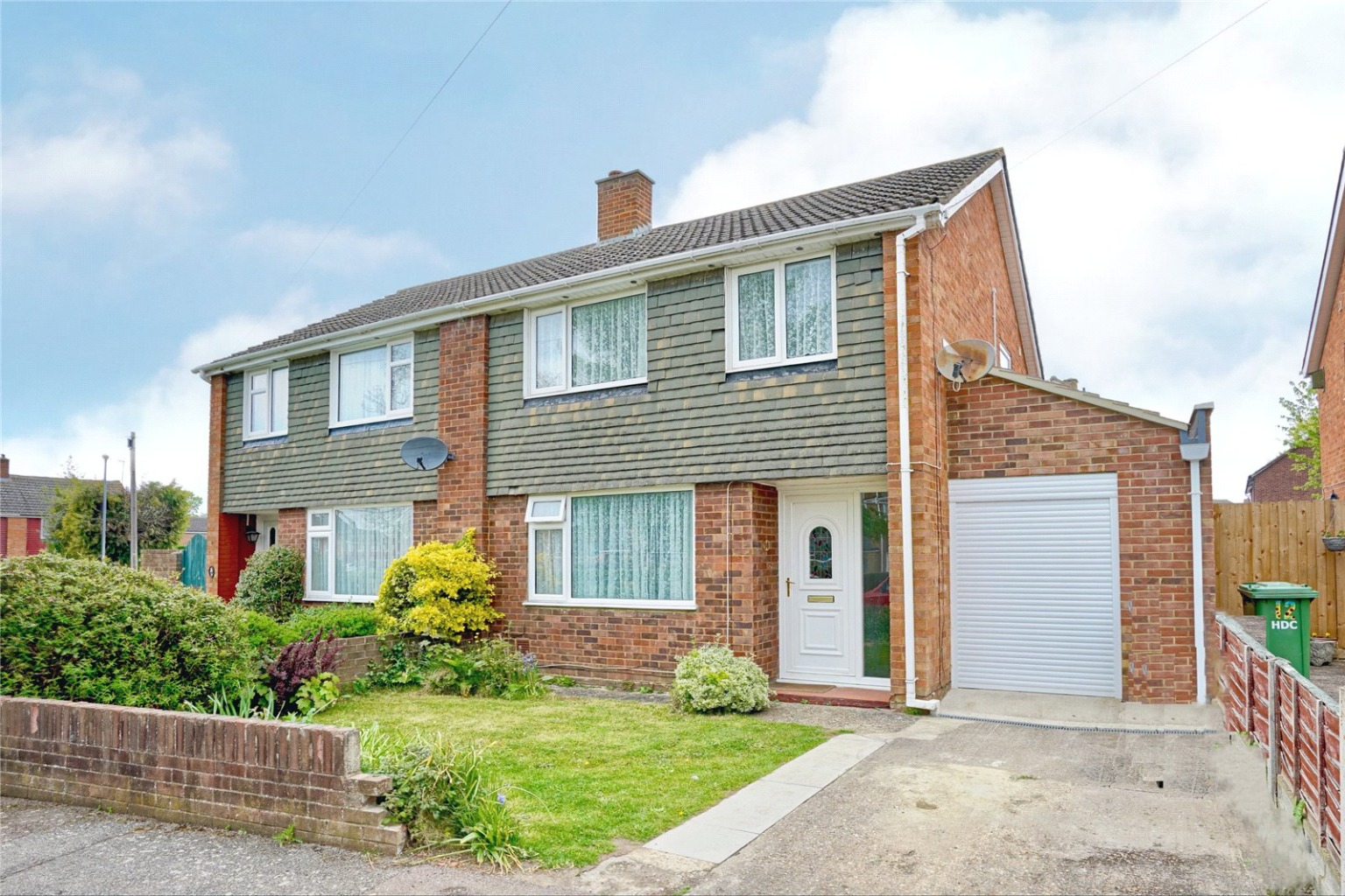 3 bed semi-detached house for sale in Acacia Grove, St. Neots - Property Image 1