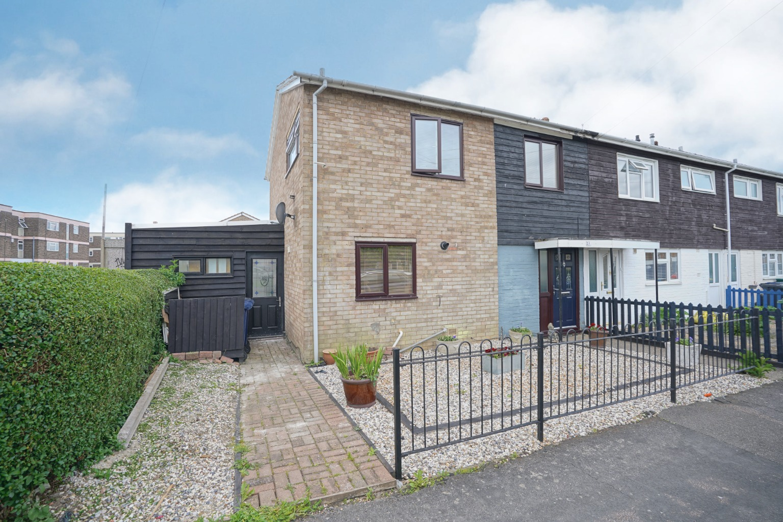 3 bed terraced house for sale in Wintringham Road, St. Neots  - Property Image 1