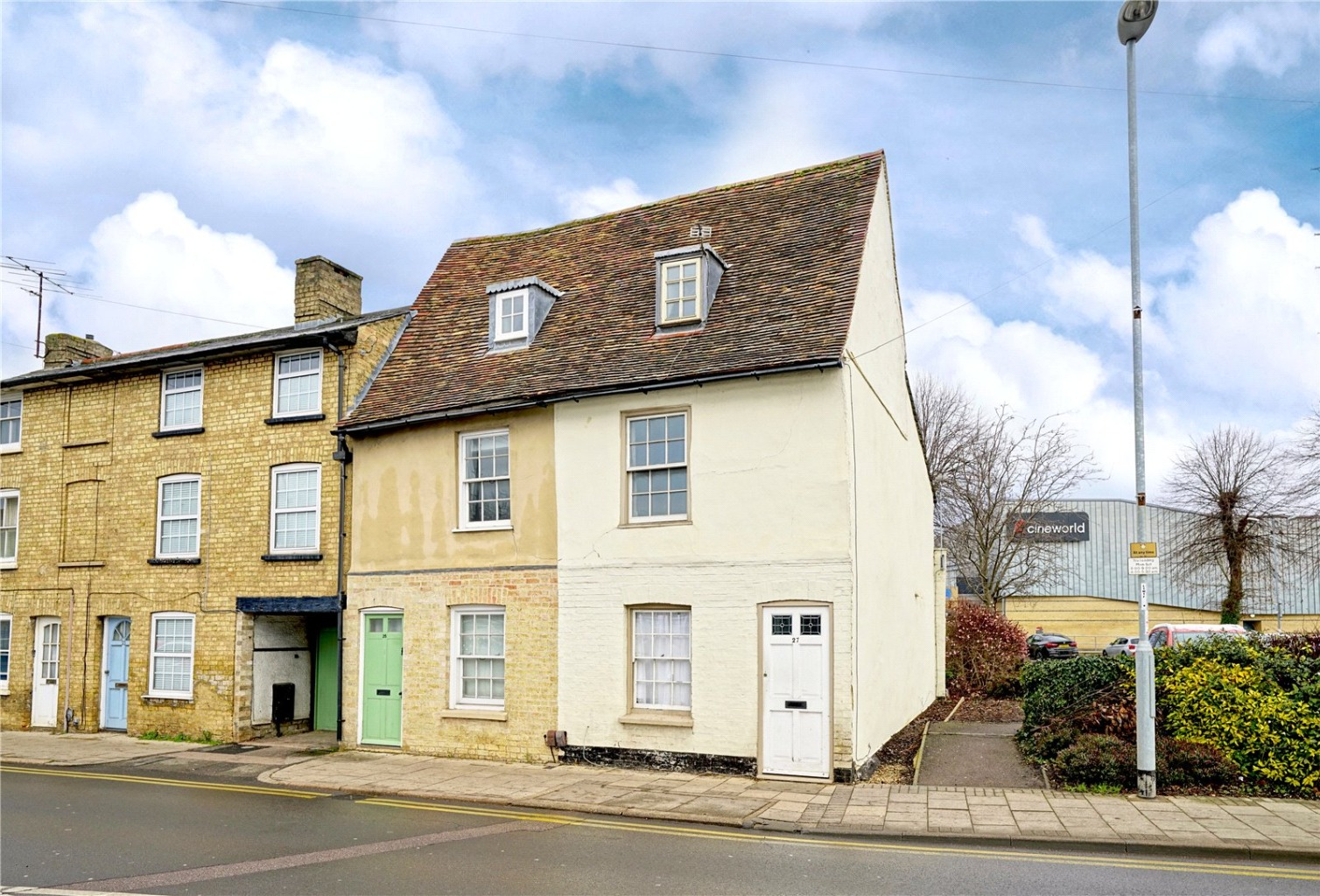 2 bed end of terrace house for sale in Cambridge Street, St. Neots - Property Image 1