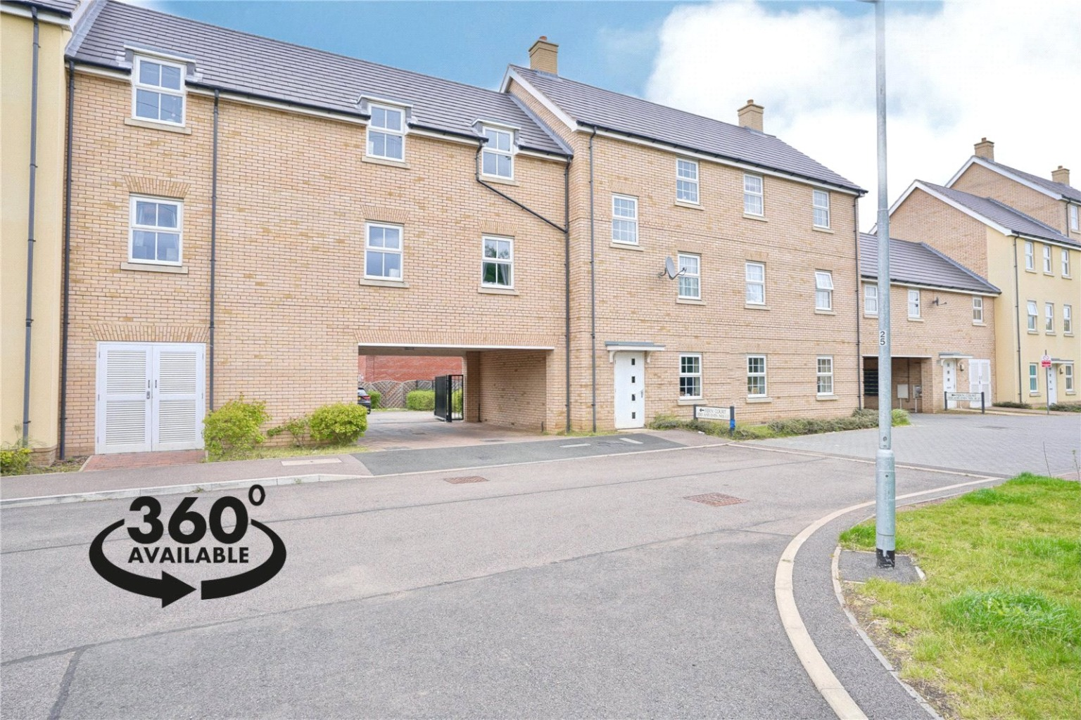 2 bed ground floor flat for sale in Fern Court, St. Neots  - Property Image 1