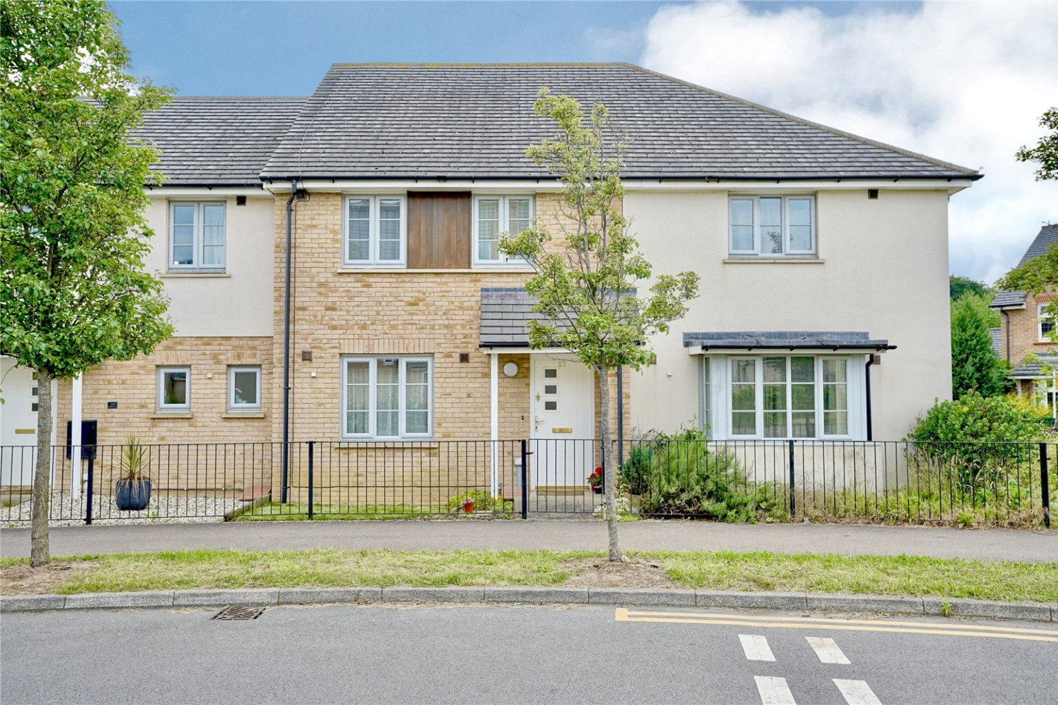 2 bed terraced house for sale in Hogsden Leys, St. Neots  - Property Image 1