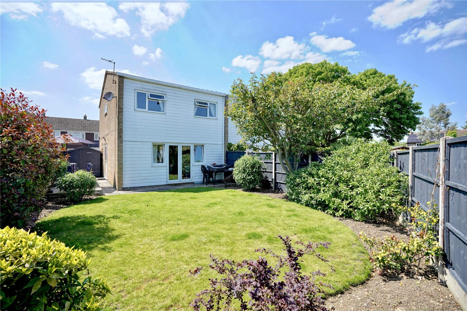 3 bed semi-detached house for sale in Gordon Road, St. Neots - Property Image 1