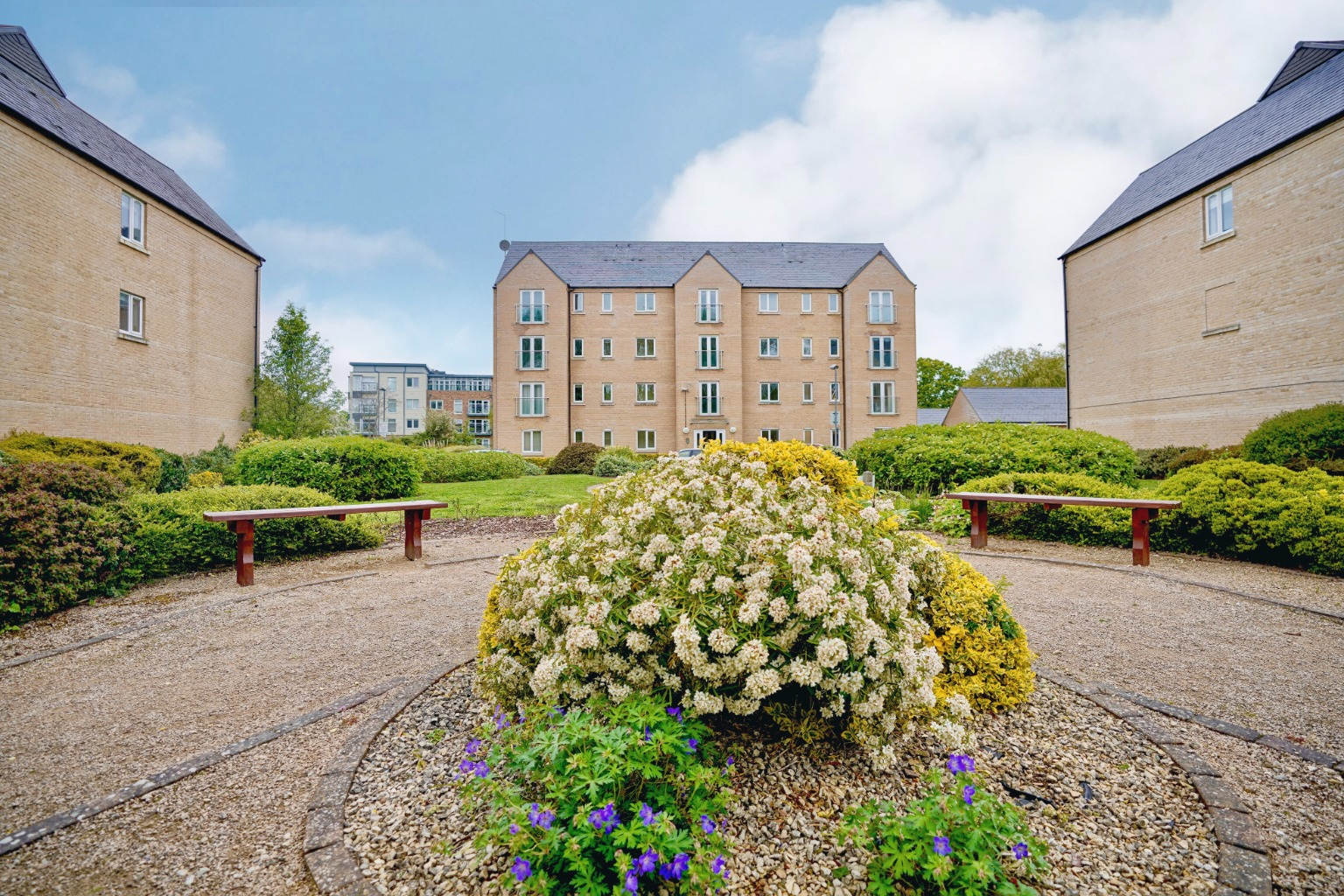 2 bed ground floor flat for sale in Skipper Way, St. Neots  - Property Image 1