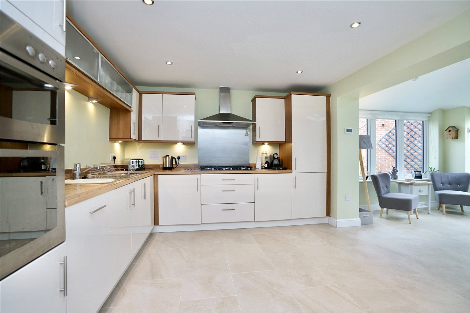 4 bed detached house for sale in Lannesbury Crescent, St. Neots  - Property Image 5