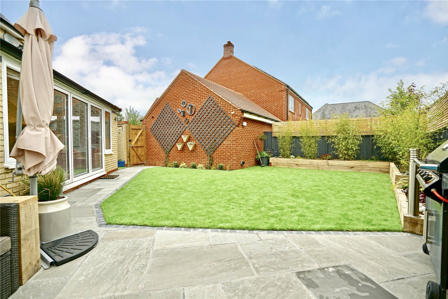 4 bed detached house for sale in Lannesbury Crescent, St. Neots  - Property Image 16