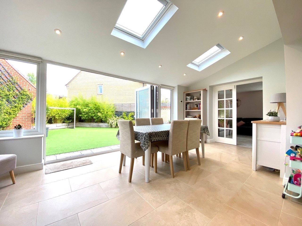 4 bed detached house for sale in Lannesbury Crescent, St. Neots  - Property Image 8