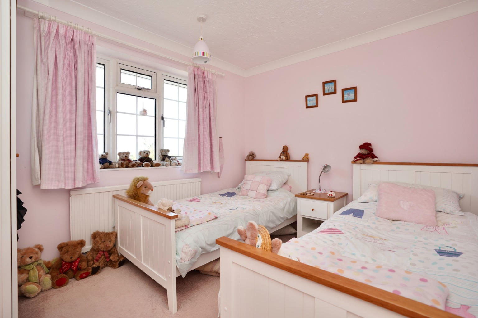 4 bed detached house for sale in Yeomans Close, Huntingdon  - Property Image 10
