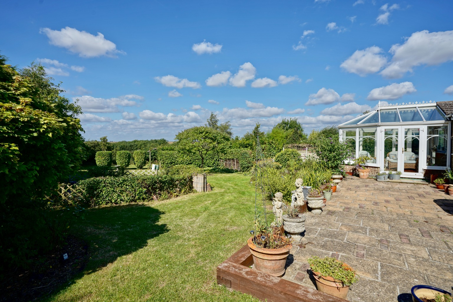 4 bed detached house for sale in Yeomans Close, Huntingdon 14