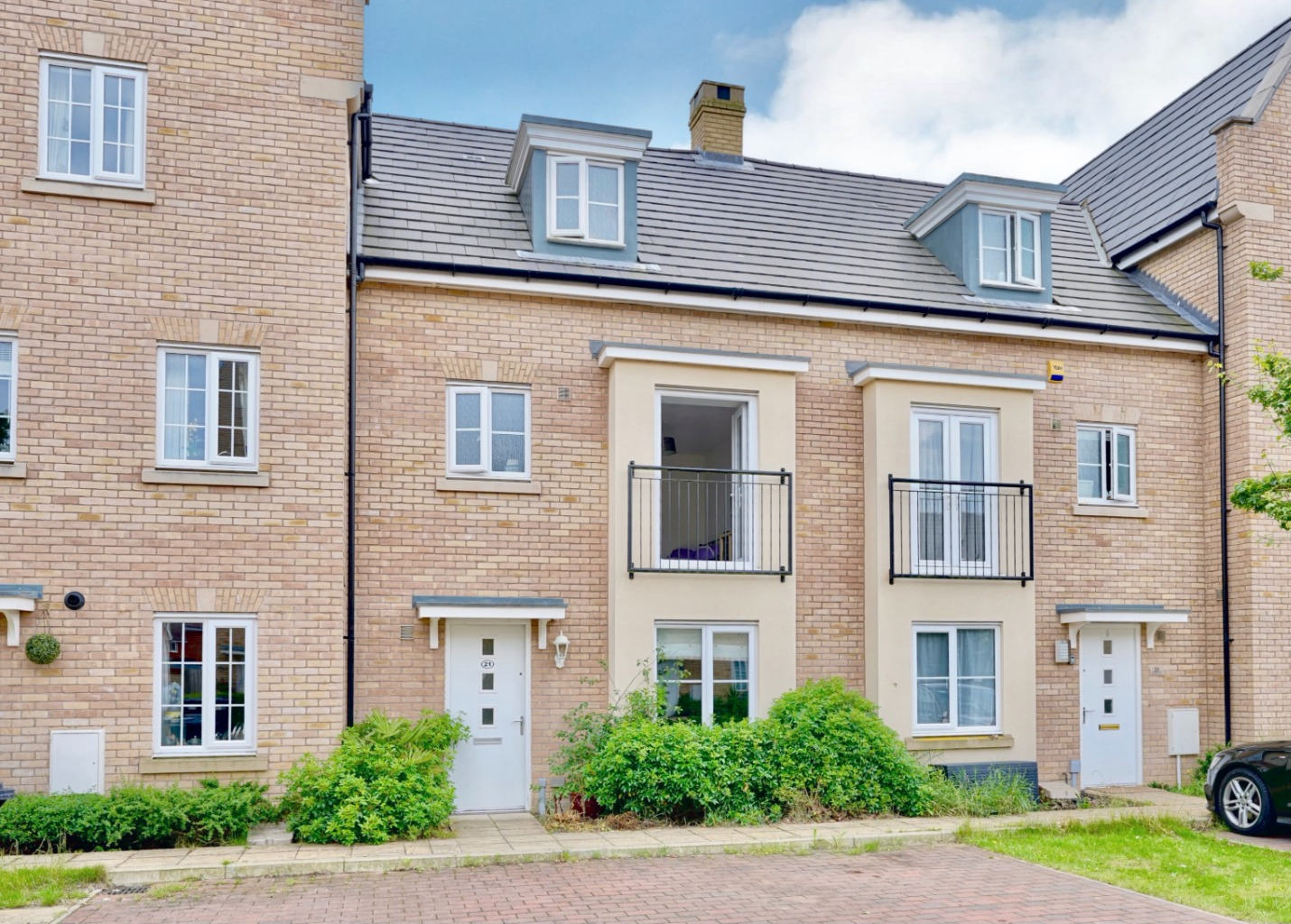 4 bed town house for sale in Buttercup Avenue, St. Neots, PE19