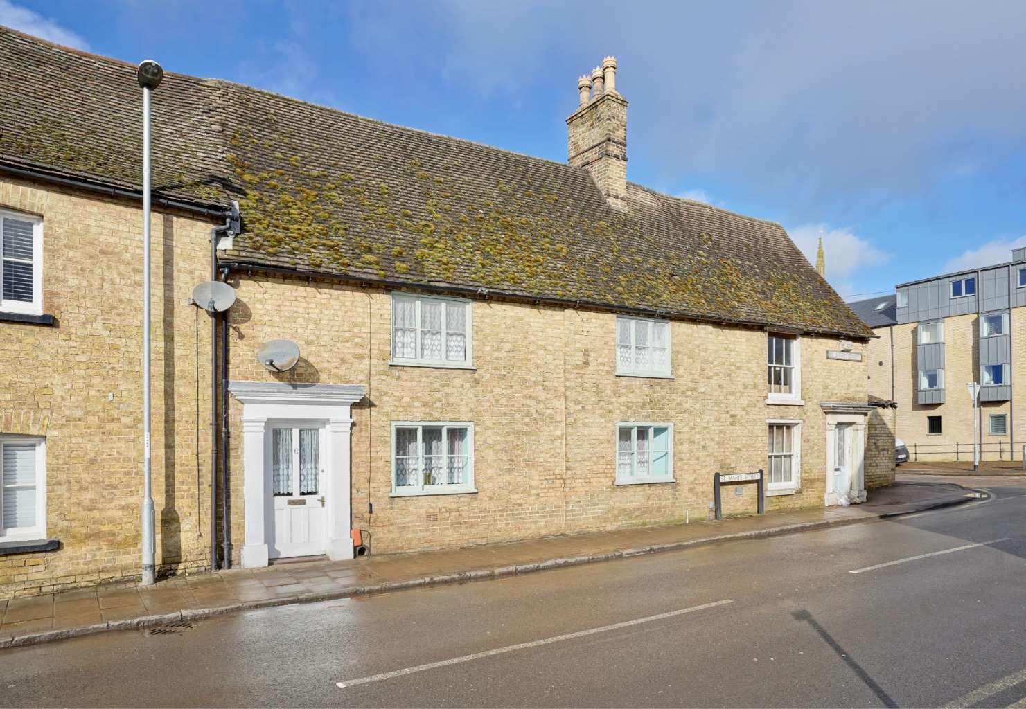 2 bed terraced house for sale in St. Marys Street, St. Neots  - Property Image 1