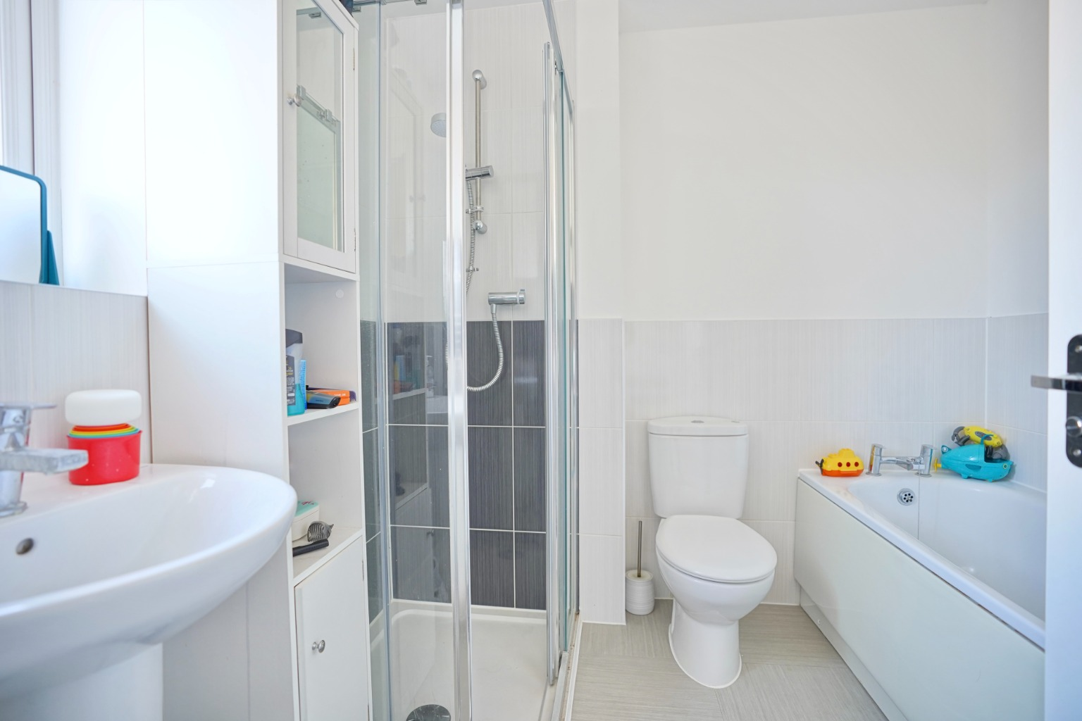 3 bed semi-detached house for sale in Whinfell Close, St. Neots  - Property Image 10