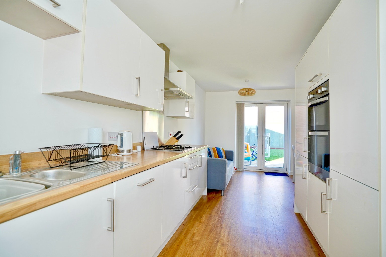 3 bed semi-detached house for sale in Whinfell Close, St. Neots  - Property Image 4