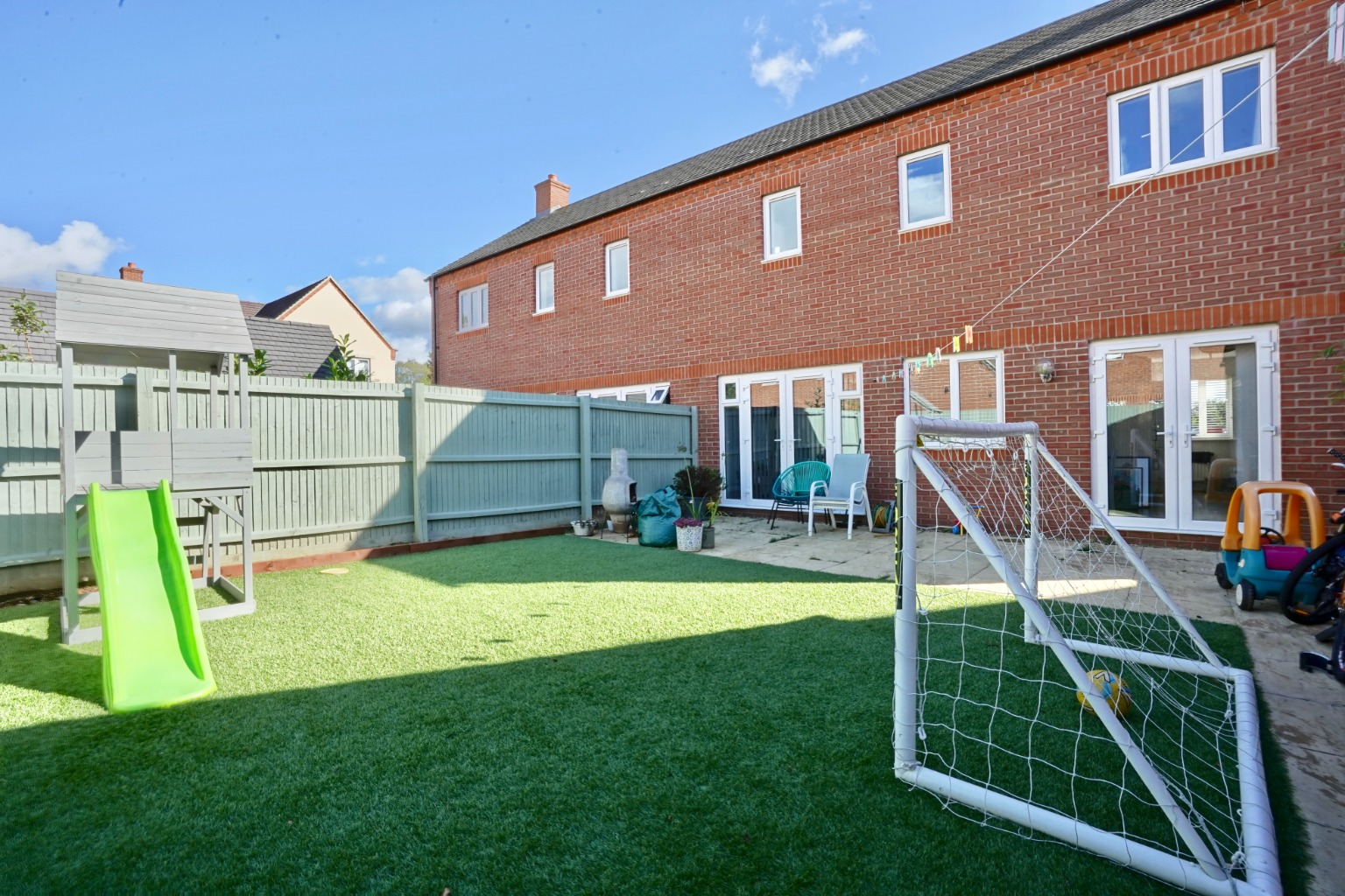 3 bed semi-detached house for sale in Whinfell Close, St. Neots  - Property Image 12