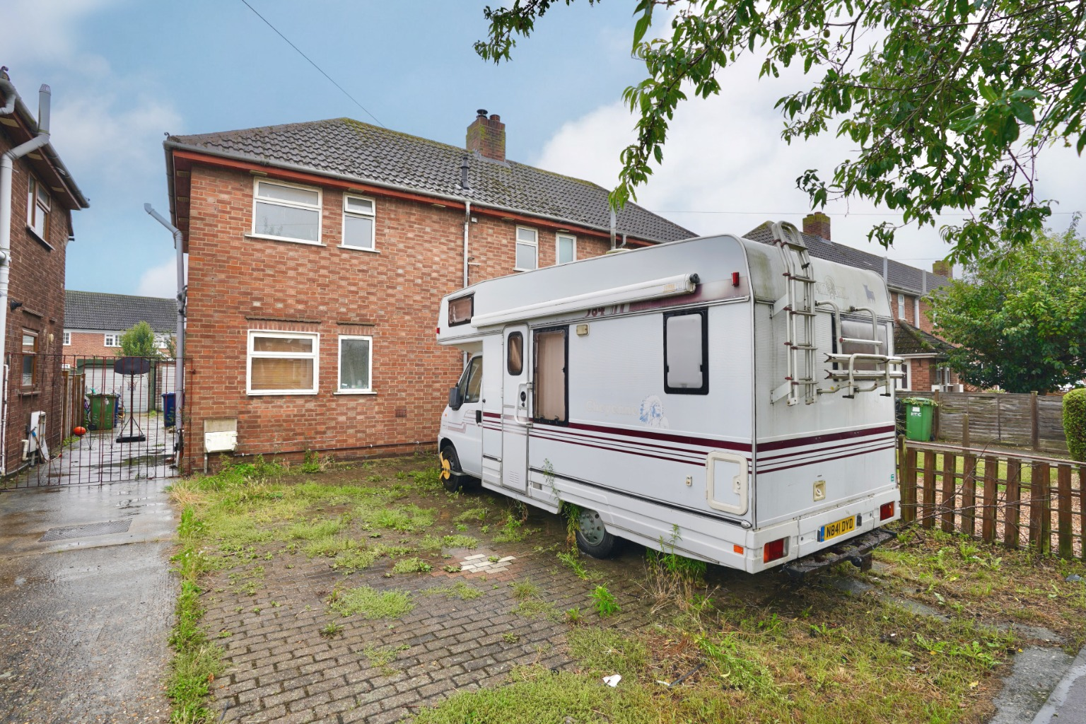 2 bed semi-detached house for sale in Almond Road, St. Neots - Property Image 1