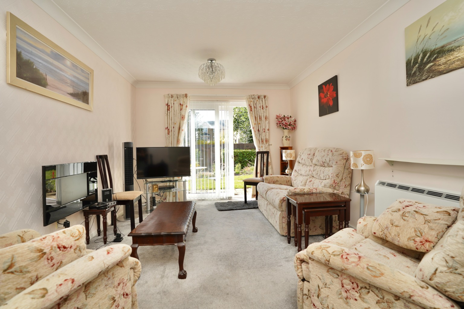 1 bed ground floor flat for sale in Old Market Court, St. Neots 1