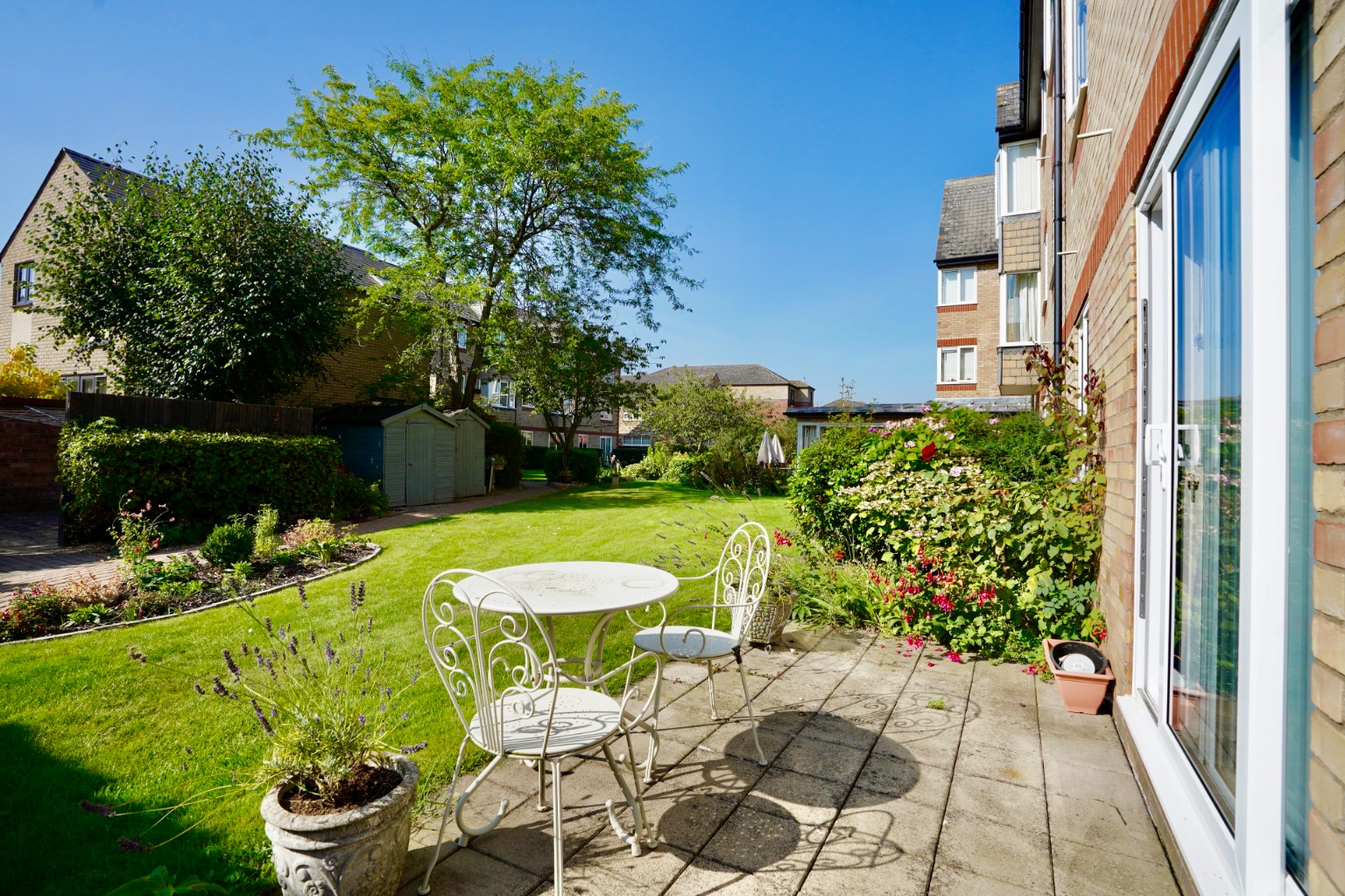 1 bed ground floor flat for sale in Old Market Court, St. Neots  - Property Image 4