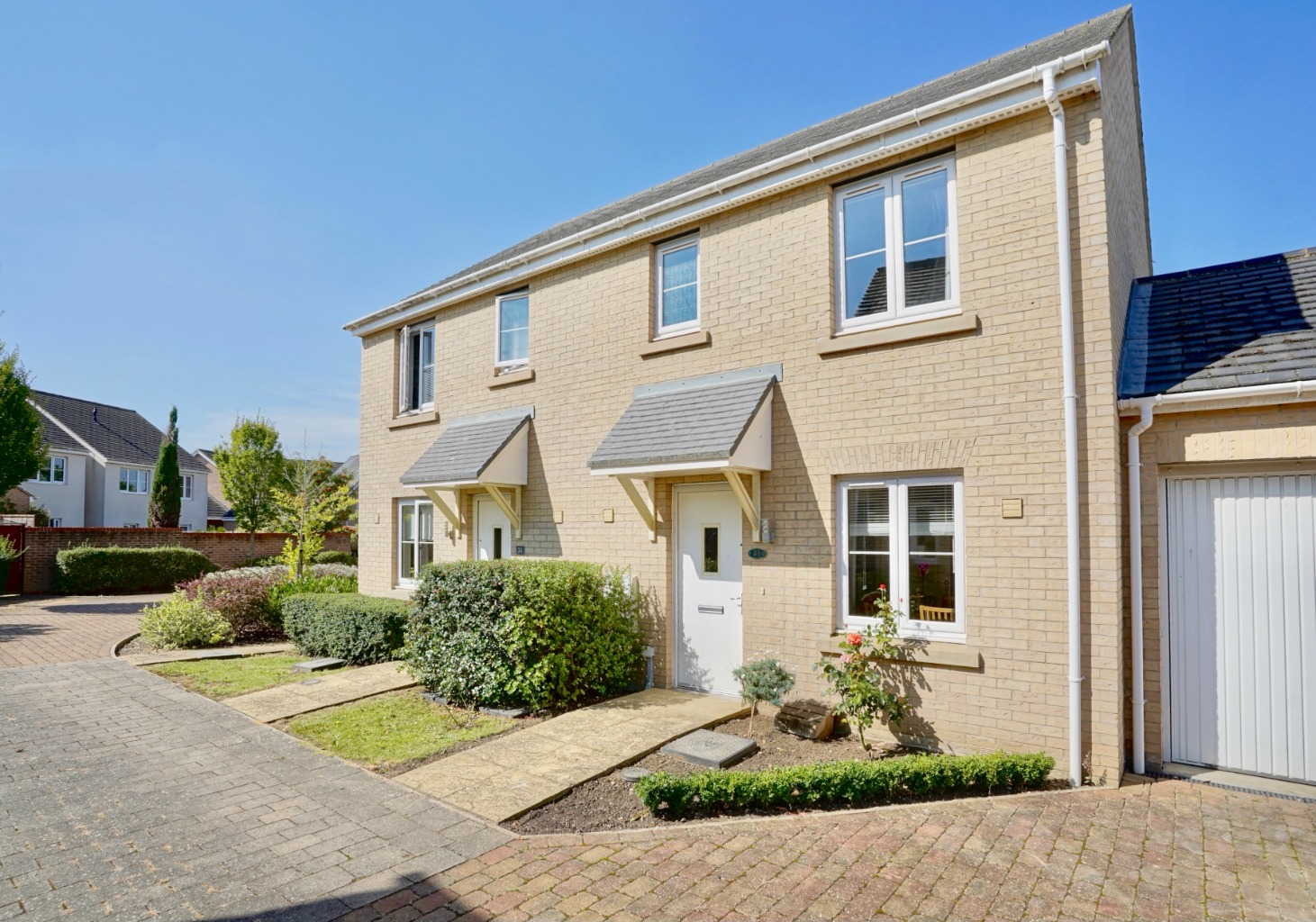 3 bed semi-detached house for sale in Fox Brook, St. Neots  - Property Image 1