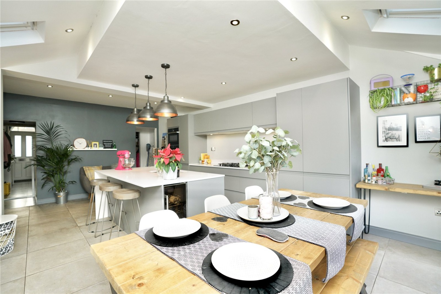 3 bed semi-detached house for sale in Rycroft Avenue, St. Neots  - Property Image 2