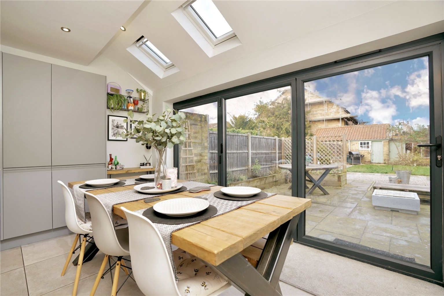 3 bed semi-detached house for sale in Rycroft Avenue, St. Neots  - Property Image 4