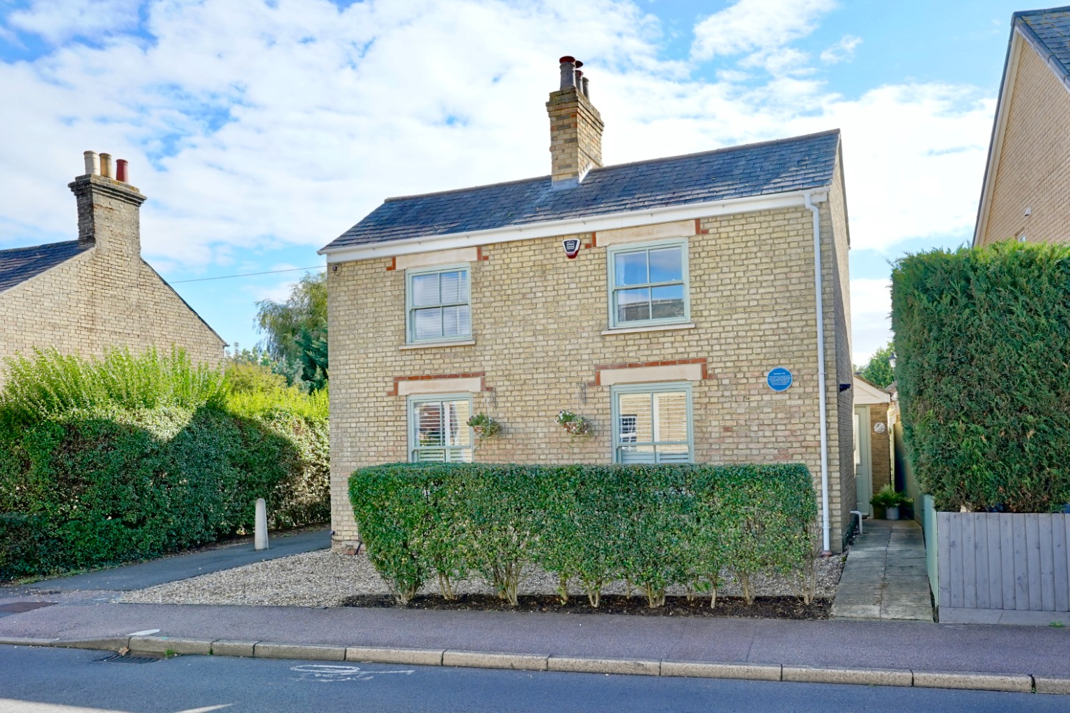 4 bed detached house for sale in St. Neots Road, St. Neots  - Property Image 1