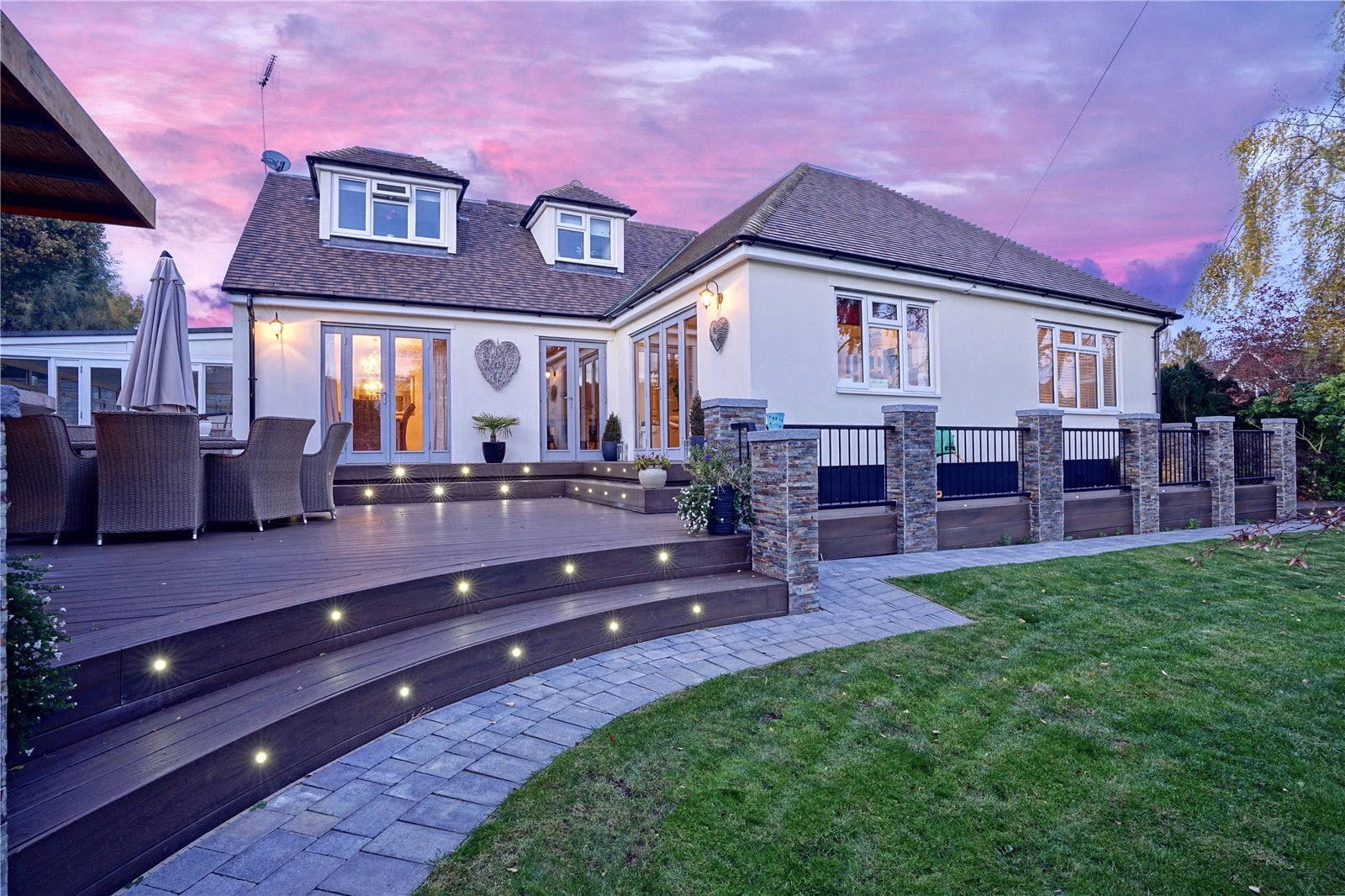 4 bed house for sale in Heathbrow Road, Old Welwyn 1
