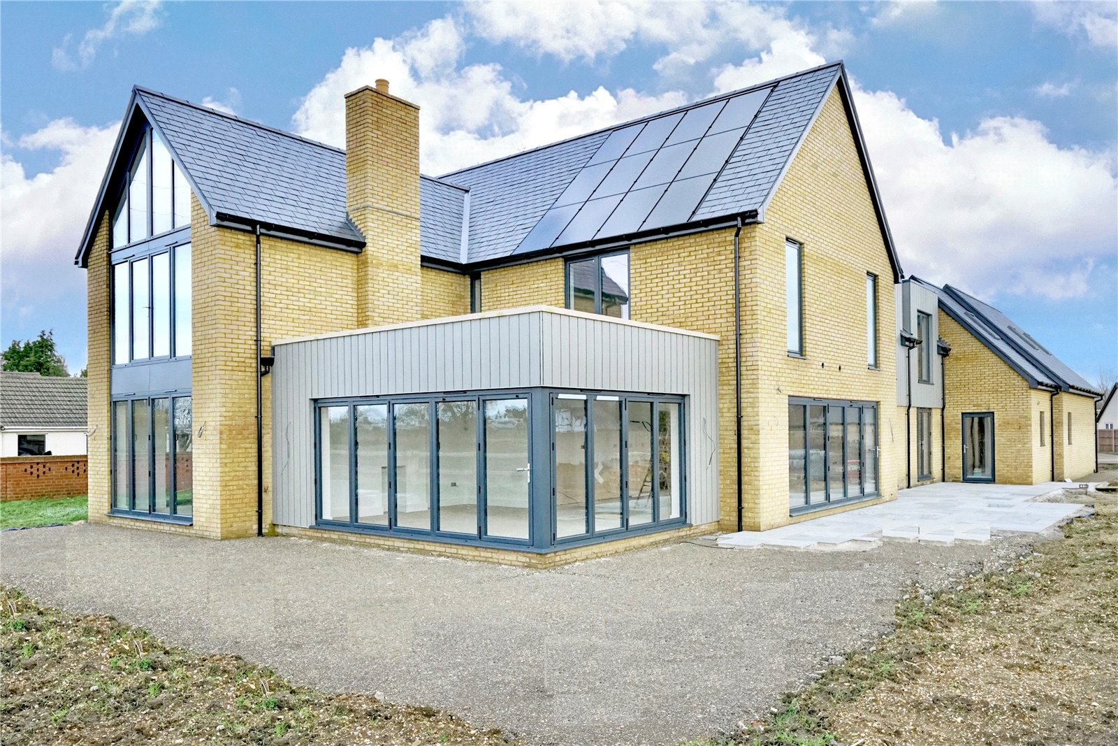 5 bed house for sale in Grange Road, Blunham - Property Image 1
