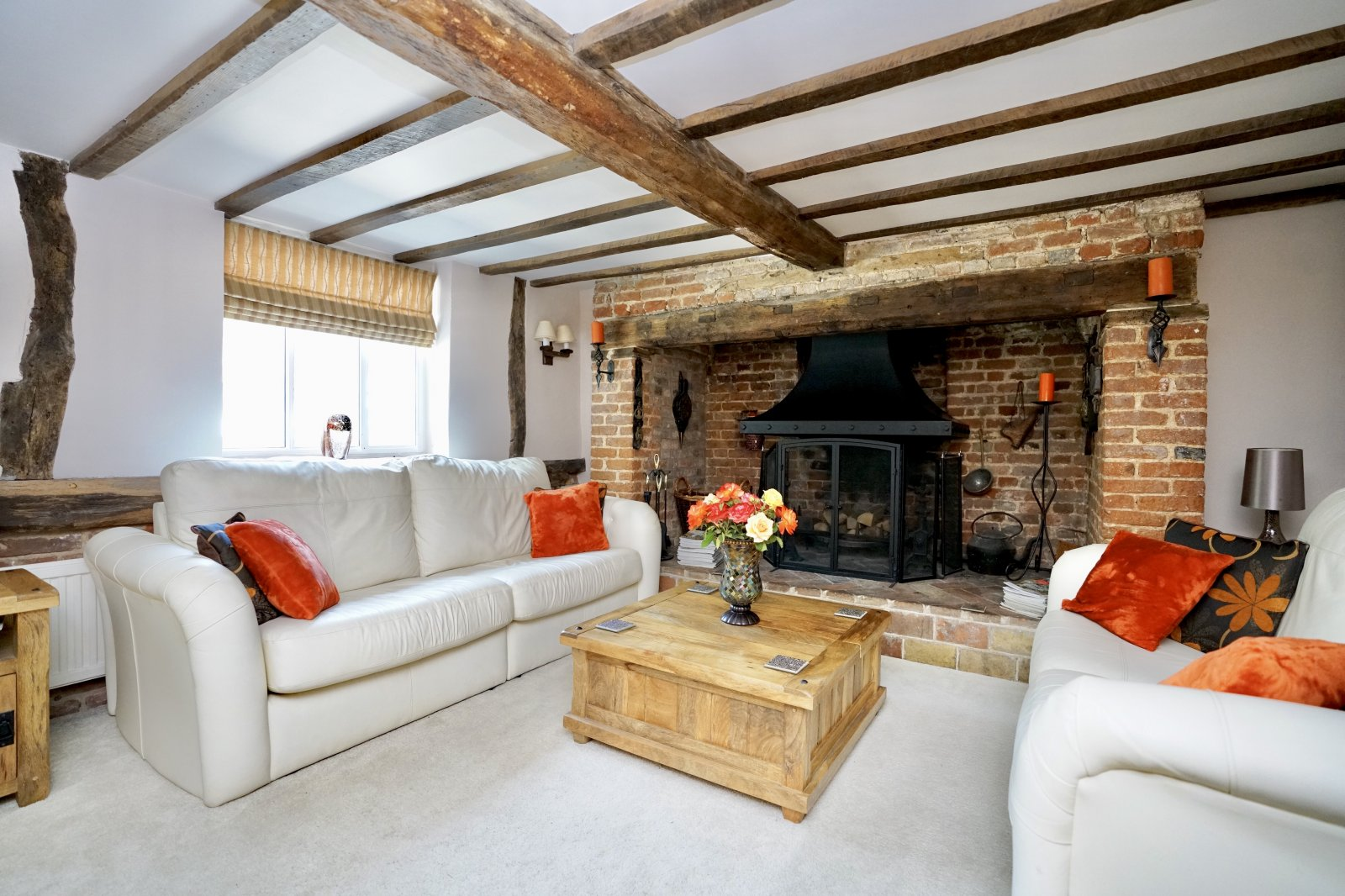 4 bed house for sale in High Street, Offord Cluny  - Property Image 3