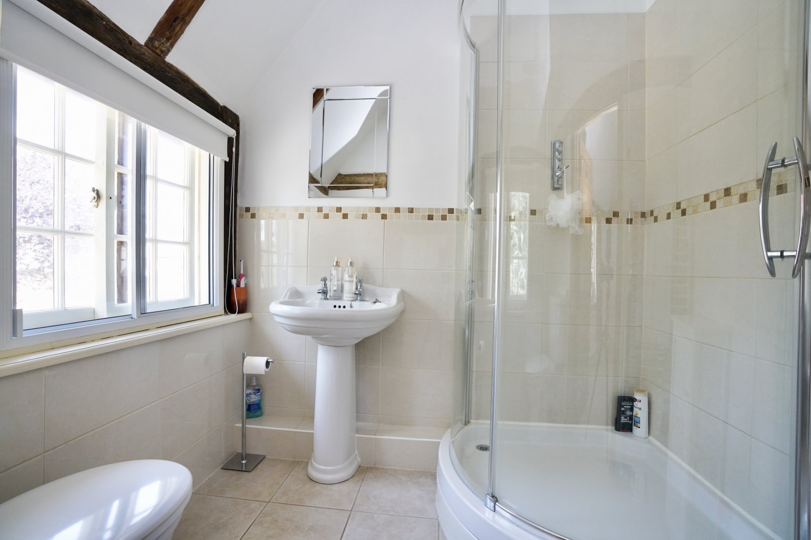 4 bed house for sale in High Street, Offord Cluny  - Property Image 10