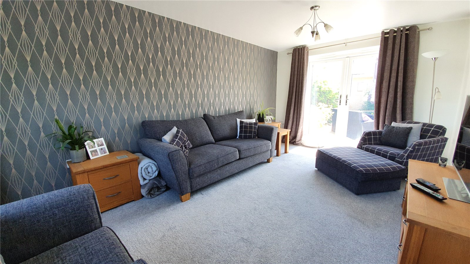 3 bed house for sale in Lannesbury Crescent, St Neots  - Property Image 9