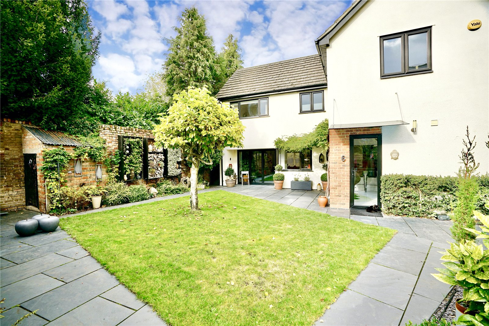 4 bed house for sale in Eaton Socon  - Property Image 3