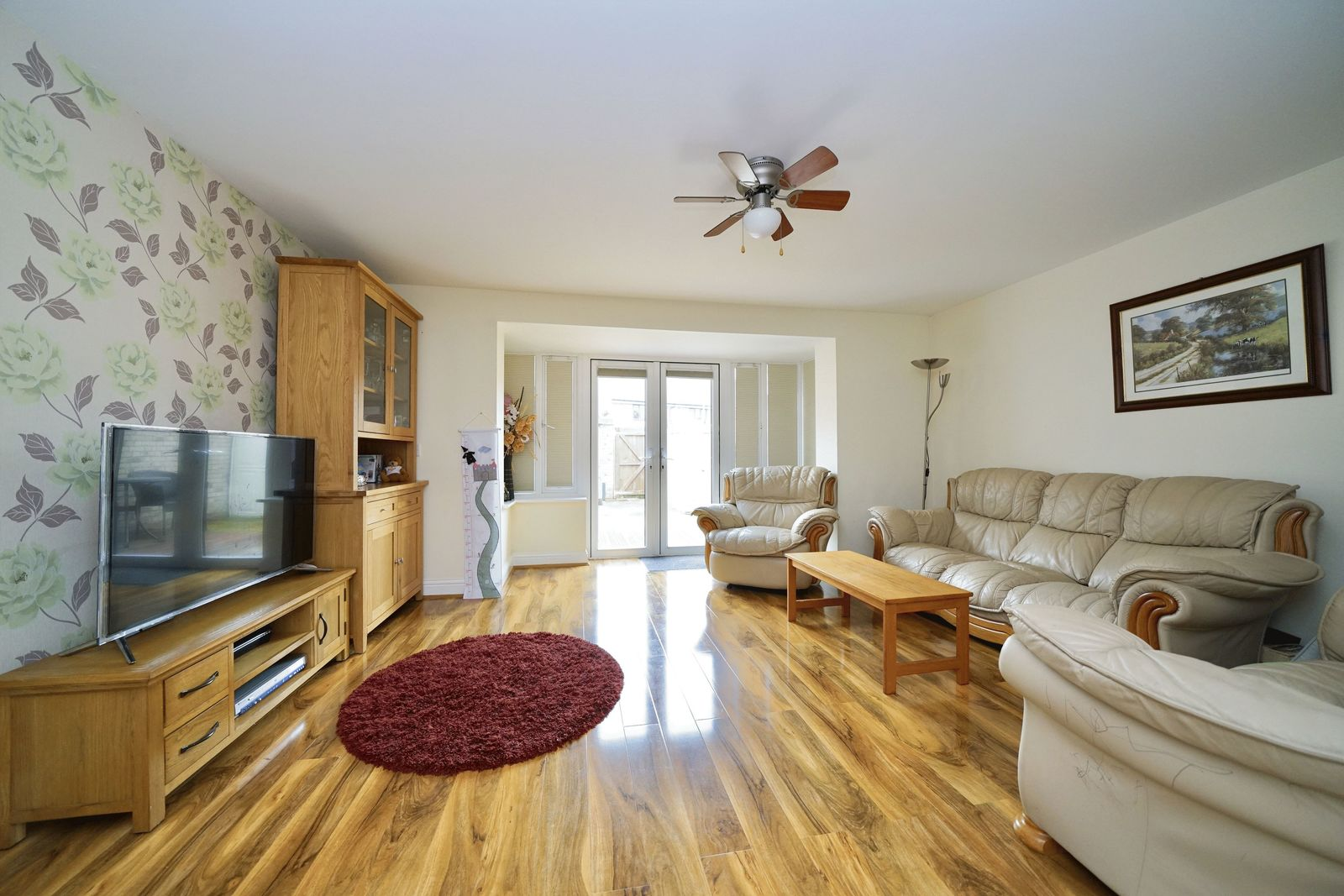 4 bed house for sale in Fox Covert, St. Neots  - Property Image 2