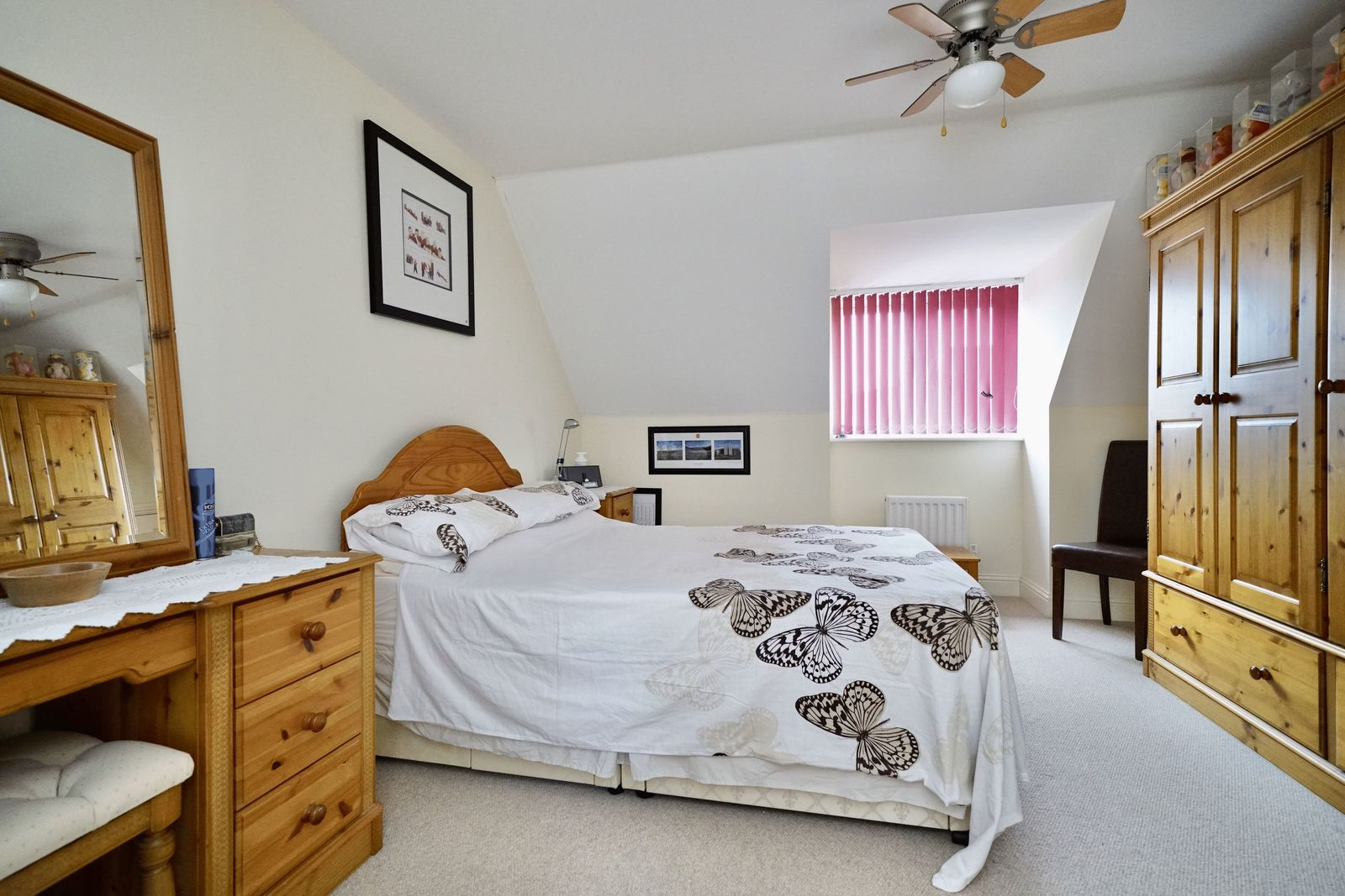 4 bed house for sale in Fox Covert, St. Neots  - Property Image 7