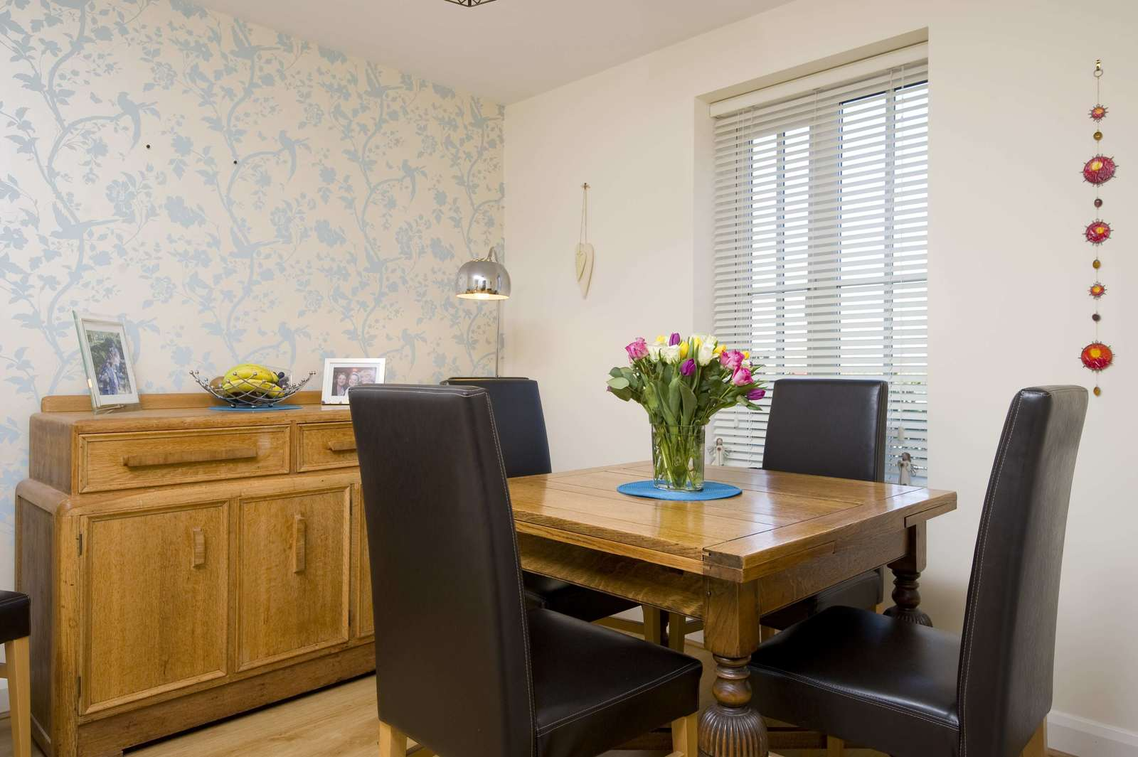 3 bed house for sale in Woodpecker Close, Great Barford 5