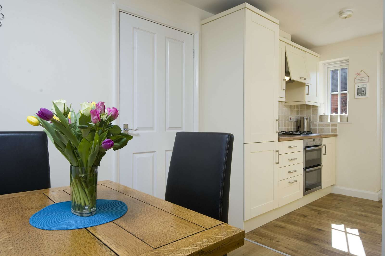 3 bed house for sale in Woodpecker Close, Great Barford 4