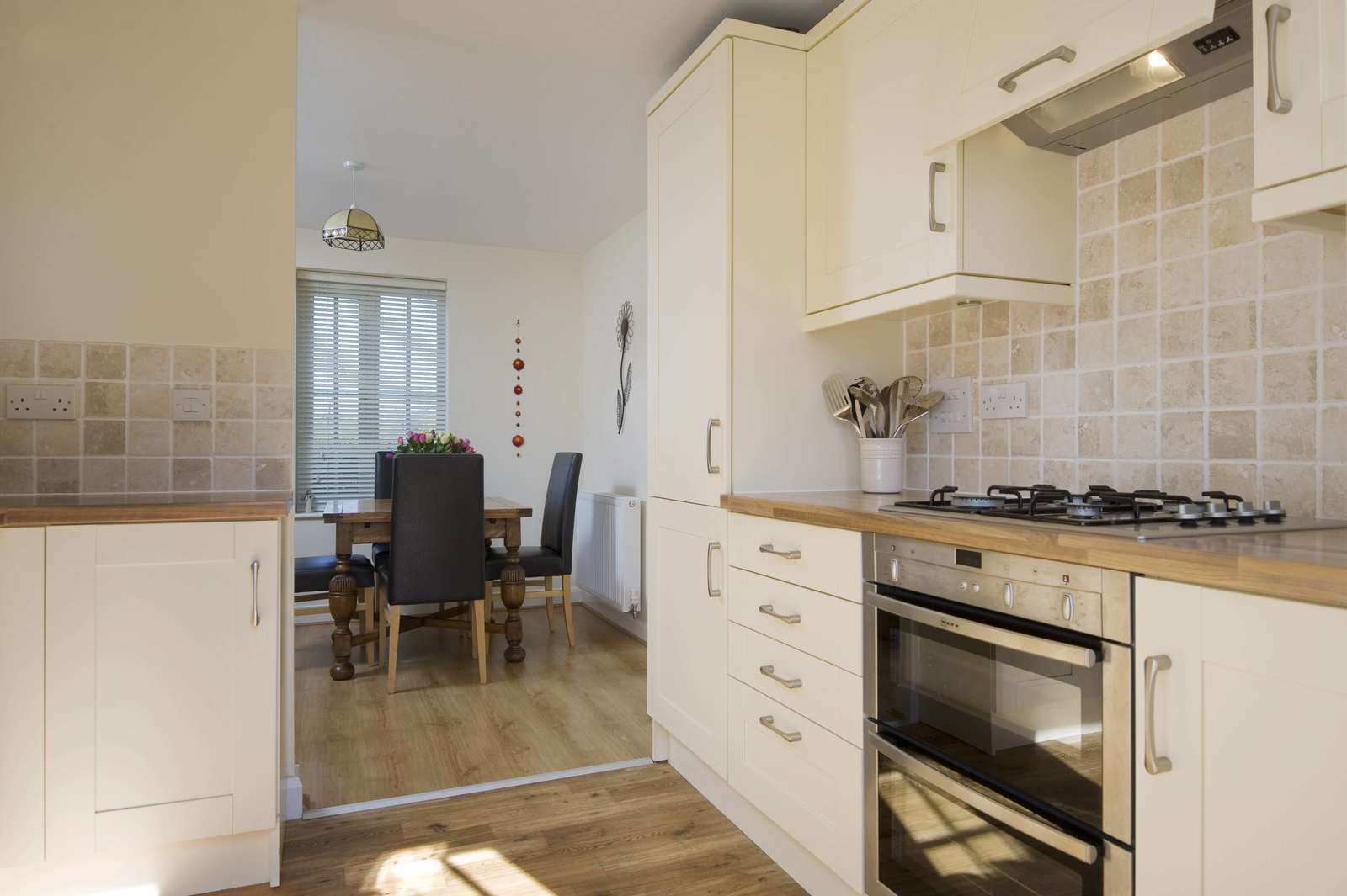 3 bed house for sale in Woodpecker Close, Great Barford  - Property Image 3