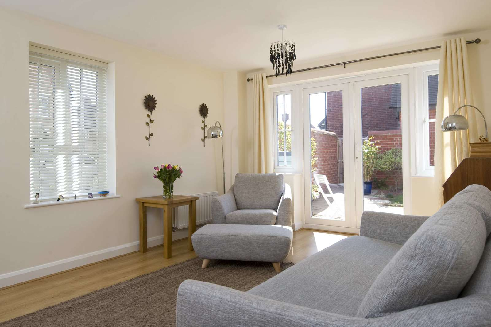 3 bed house for sale in Woodpecker Close, Great Barford 1