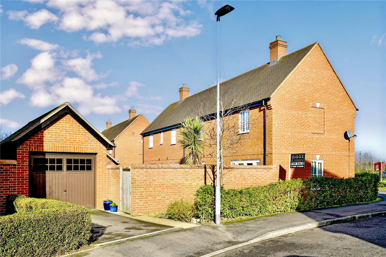 3 bed house for sale in Woodpecker Close, Great Barford  - Property Image 9