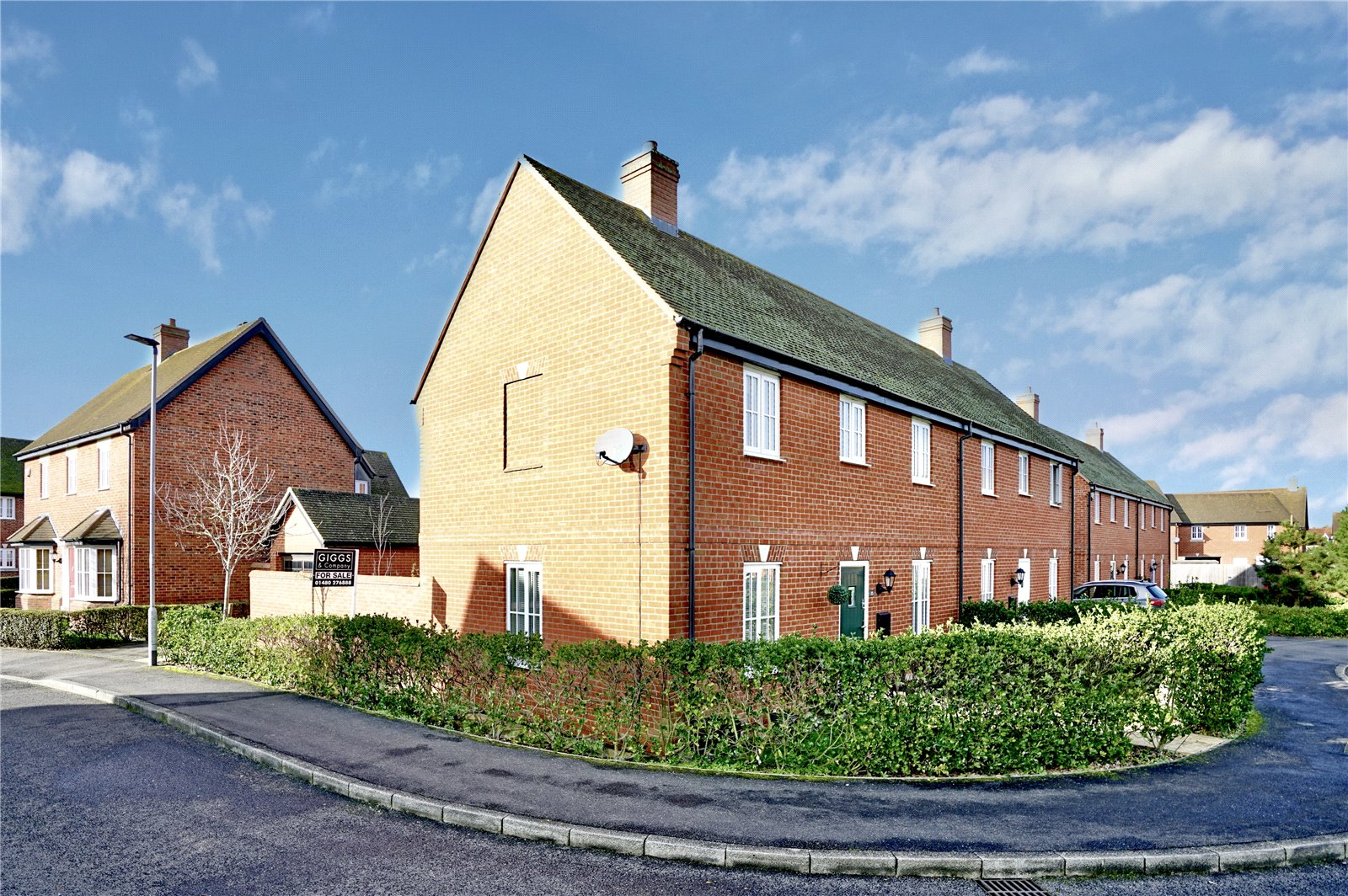 3 bed house for sale in Woodpecker Close, Great Barford - Property Image 1