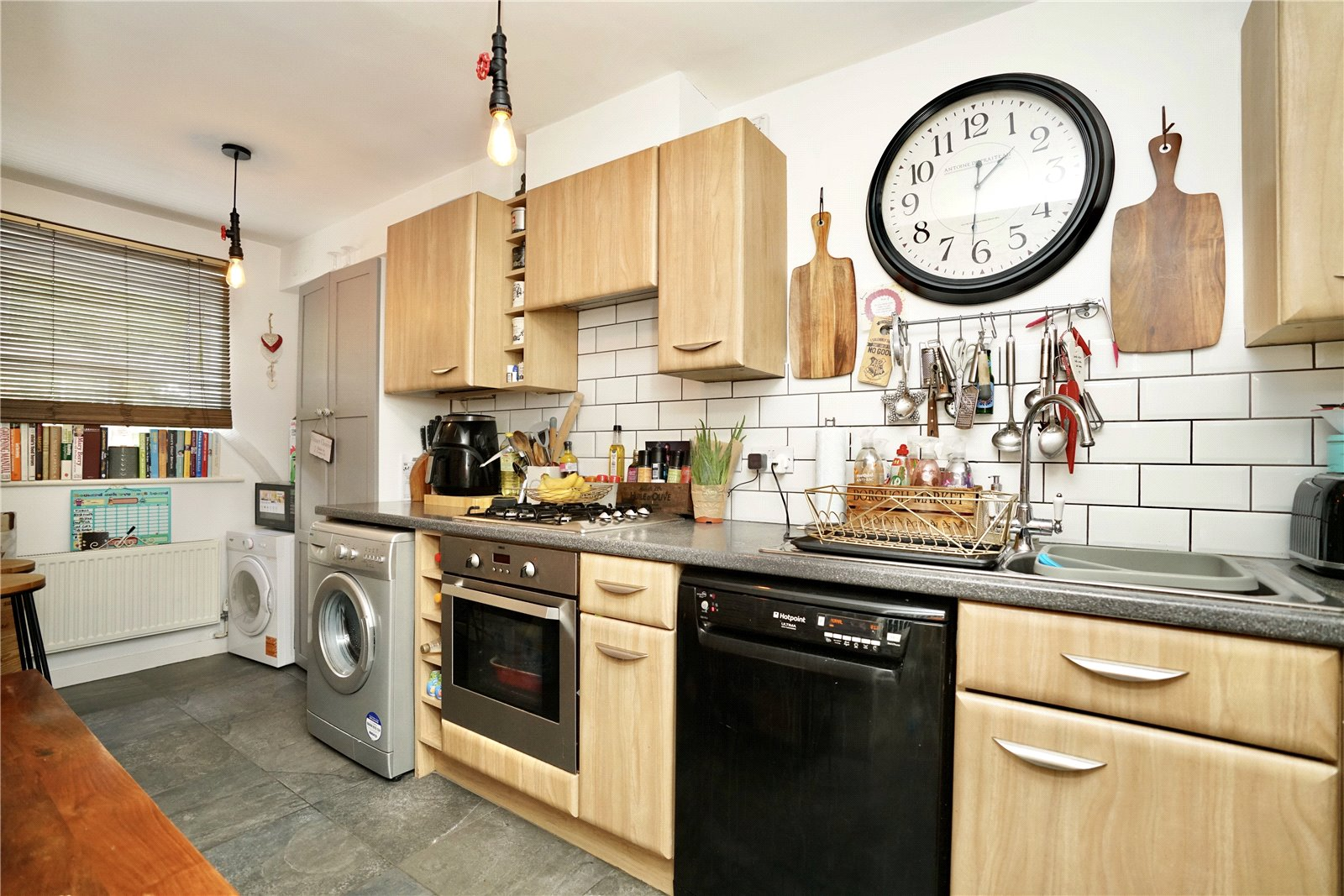 4 bed house for sale in Linton Close, Eaton Socon  - Property Image 4