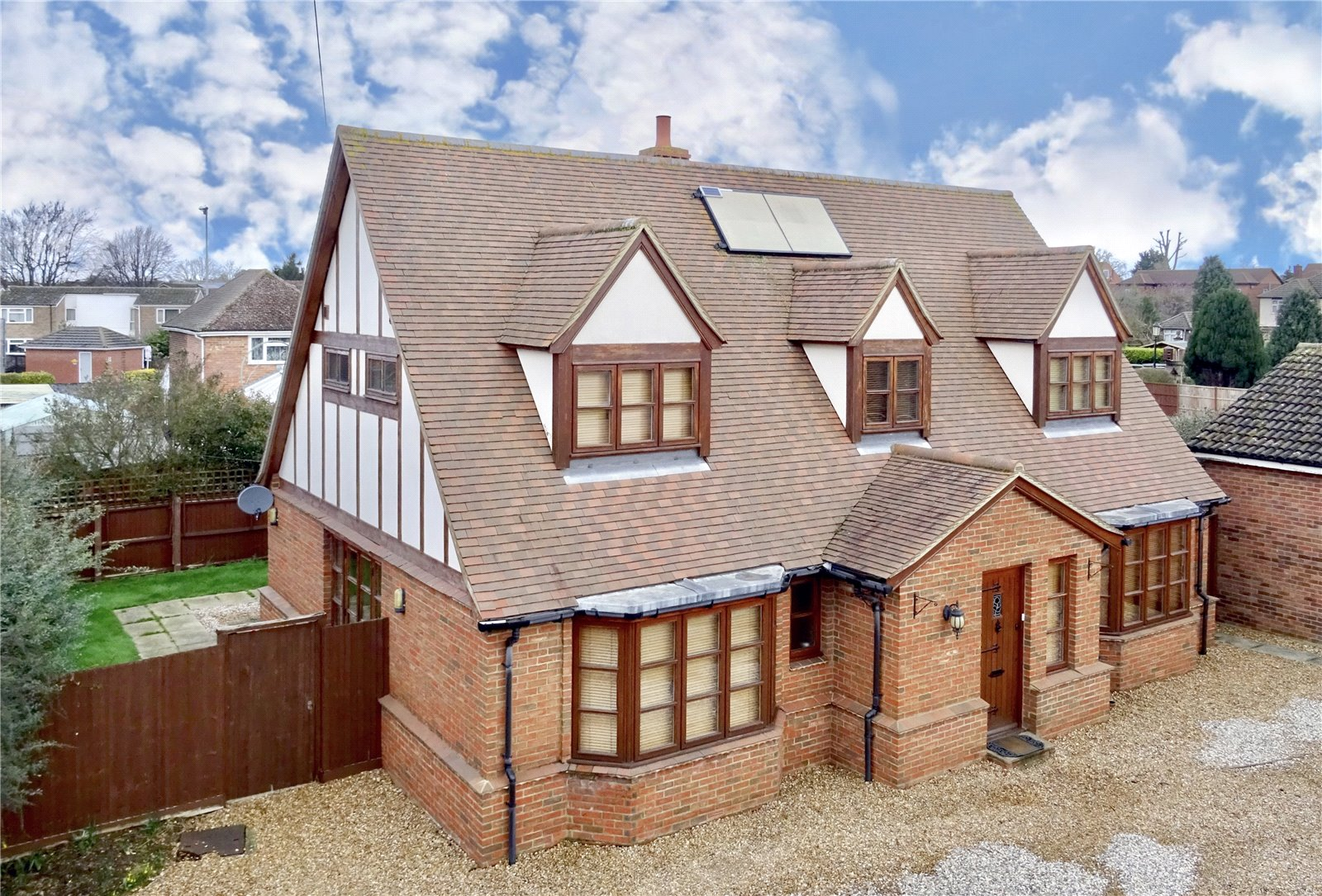 4 bed house for sale in Cromwell Road, St. Neots - Property Image 1