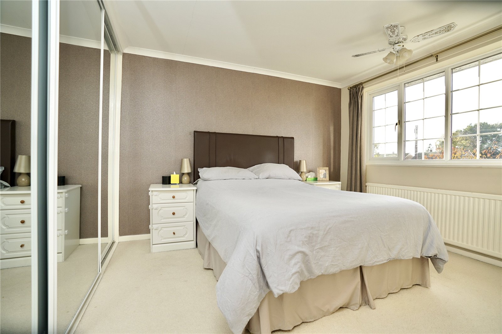 3 bed house for sale in Gordon Road, Little Paxton  - Property Image 8