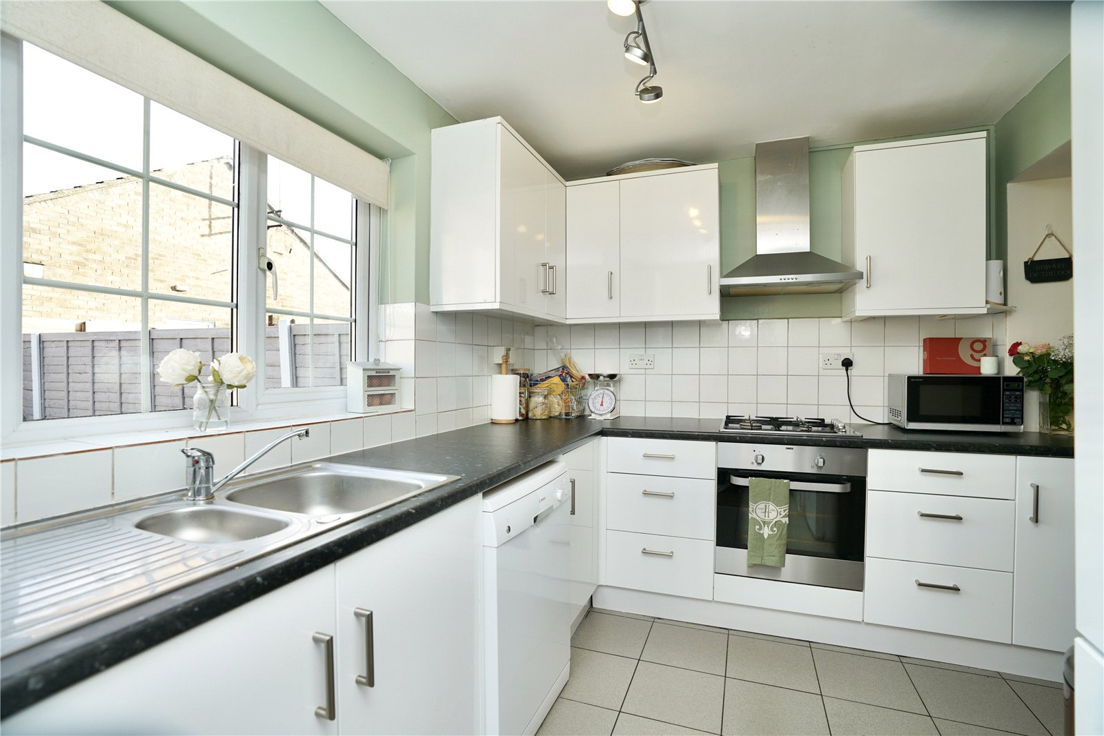 3 bed house for sale in Gordon Road, Little Paxton  - Property Image 4