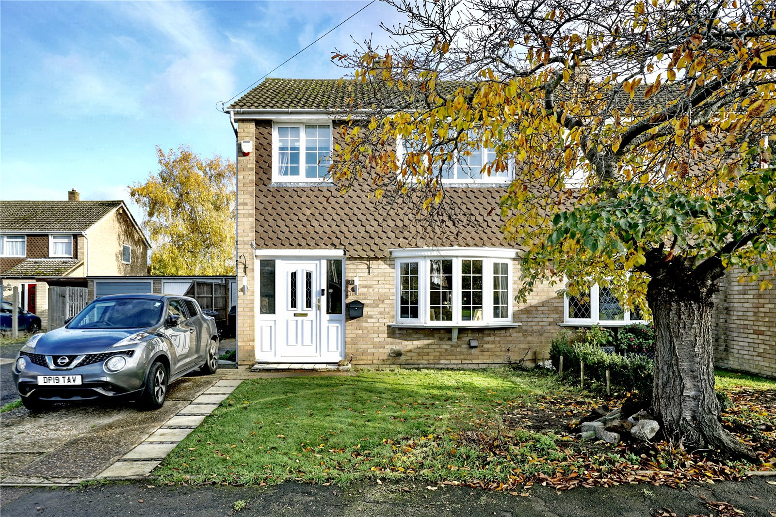 3 bed house for sale in Gordon Road, Little Paxton 2