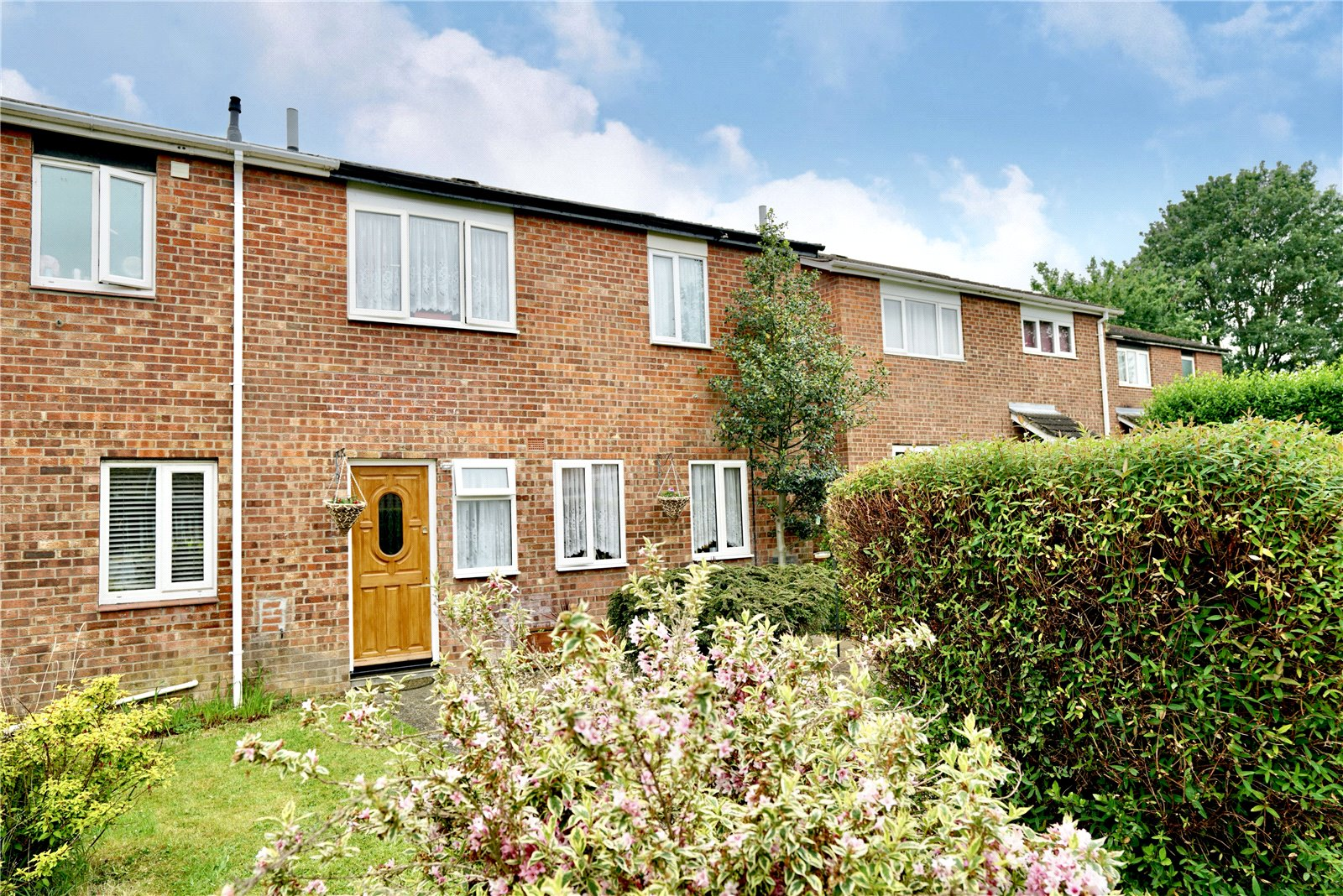 3 bed house for sale in Countess Close, Eaton Socon  - Property Image 2