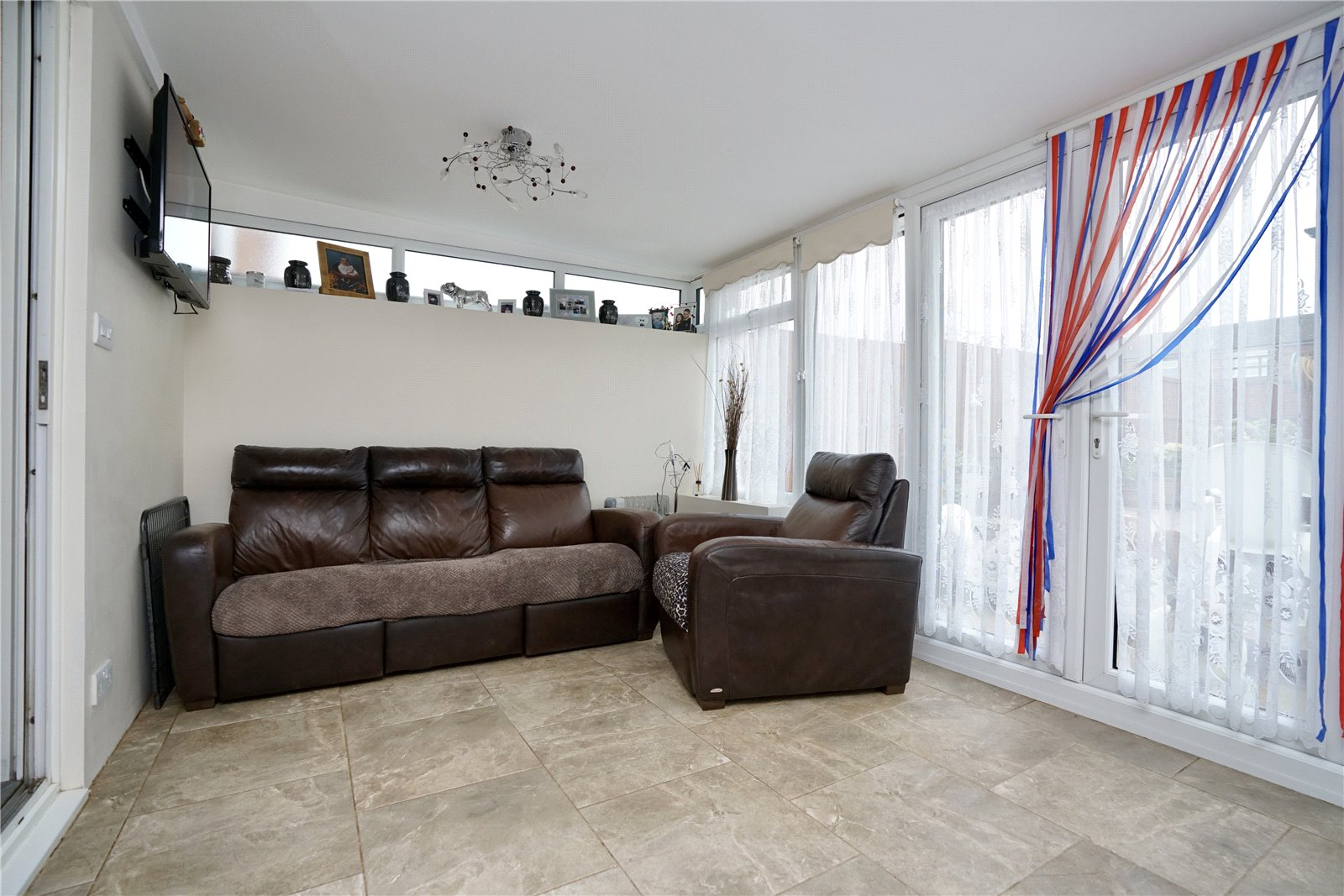 3 bed house for sale in Countess Close, Eaton Socon 3