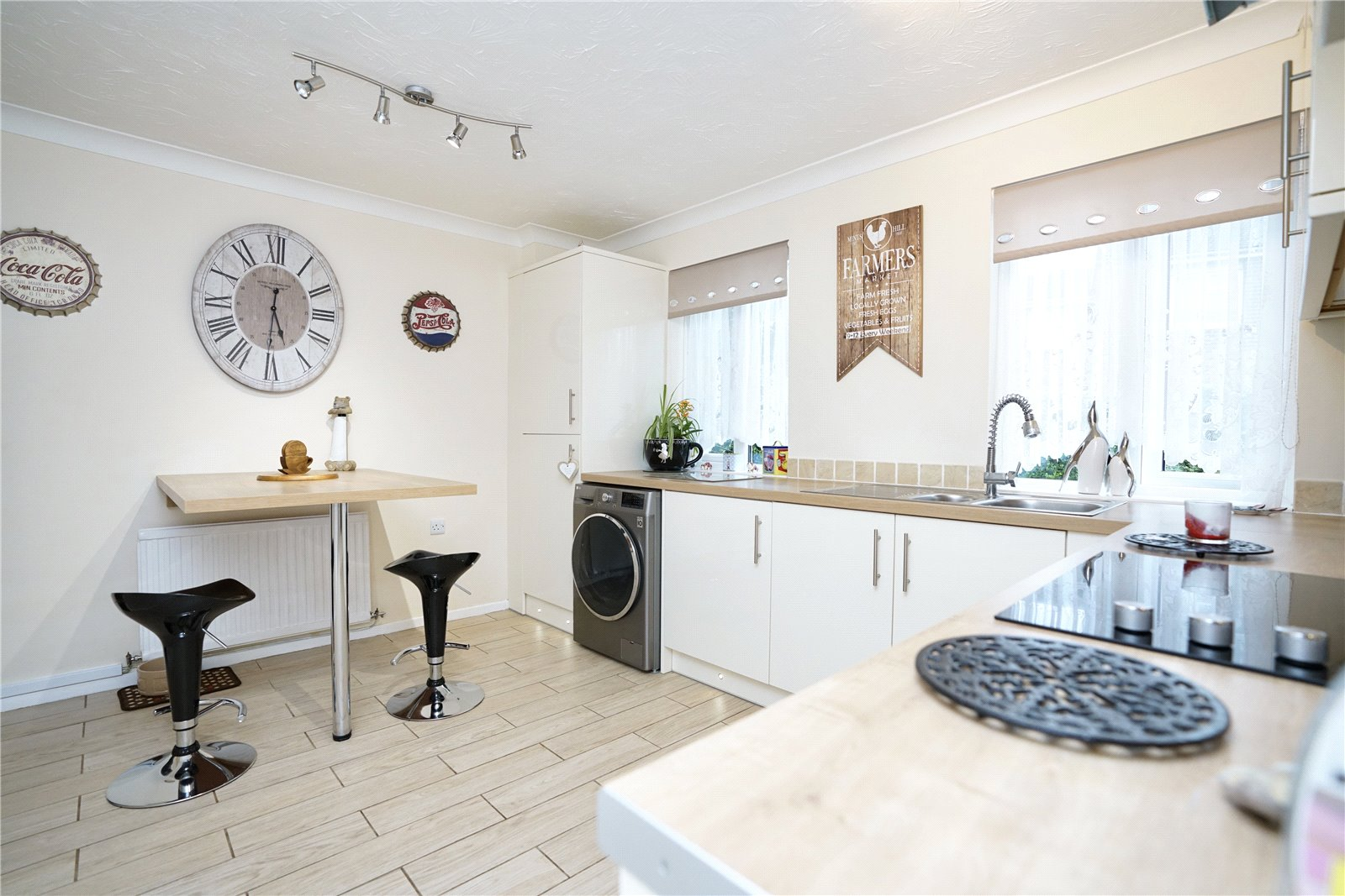 3 bed house for sale in Countess Close, Eaton Socon  - Property Image 1
