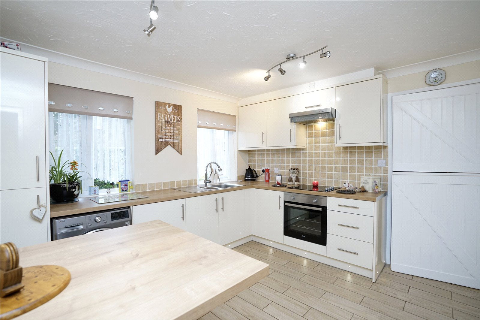 3 bed house for sale in Countess Close, Eaton Socon  - Property Image 3