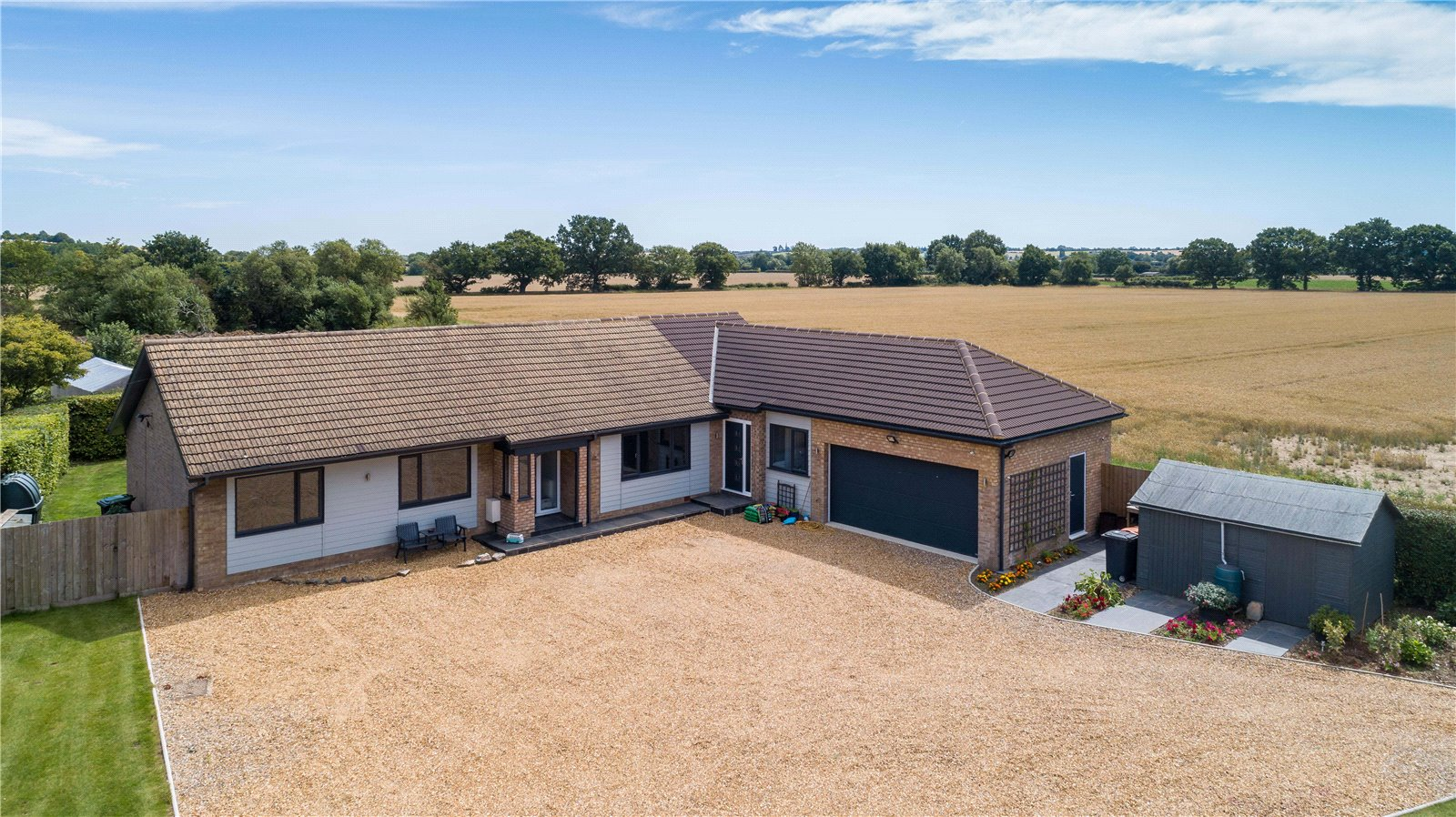 3 bed bungalow for sale in Kimbolton Road, Pertenhall  - Property Image 1