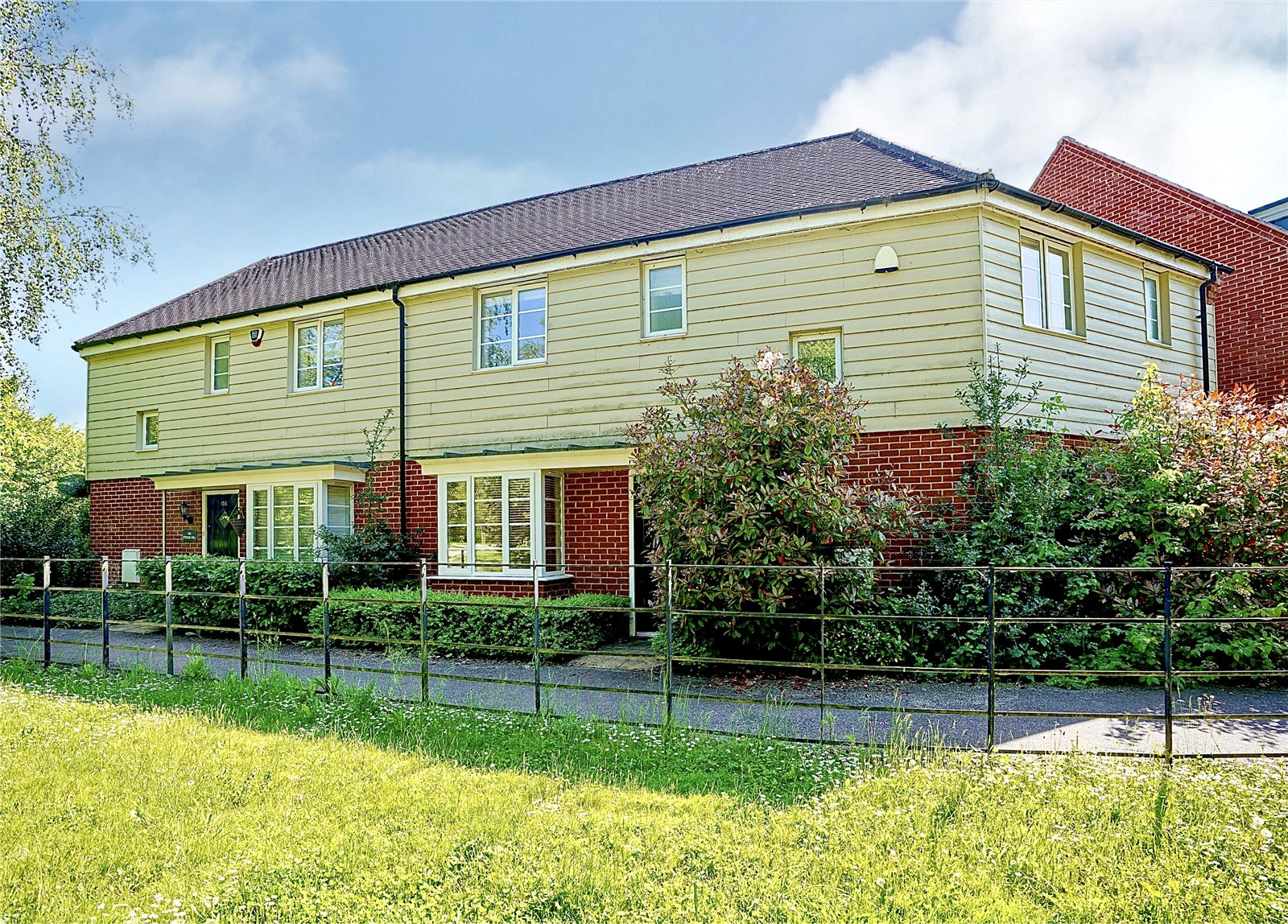 4 bed house for sale in Stone Hill, St Neots, PE19