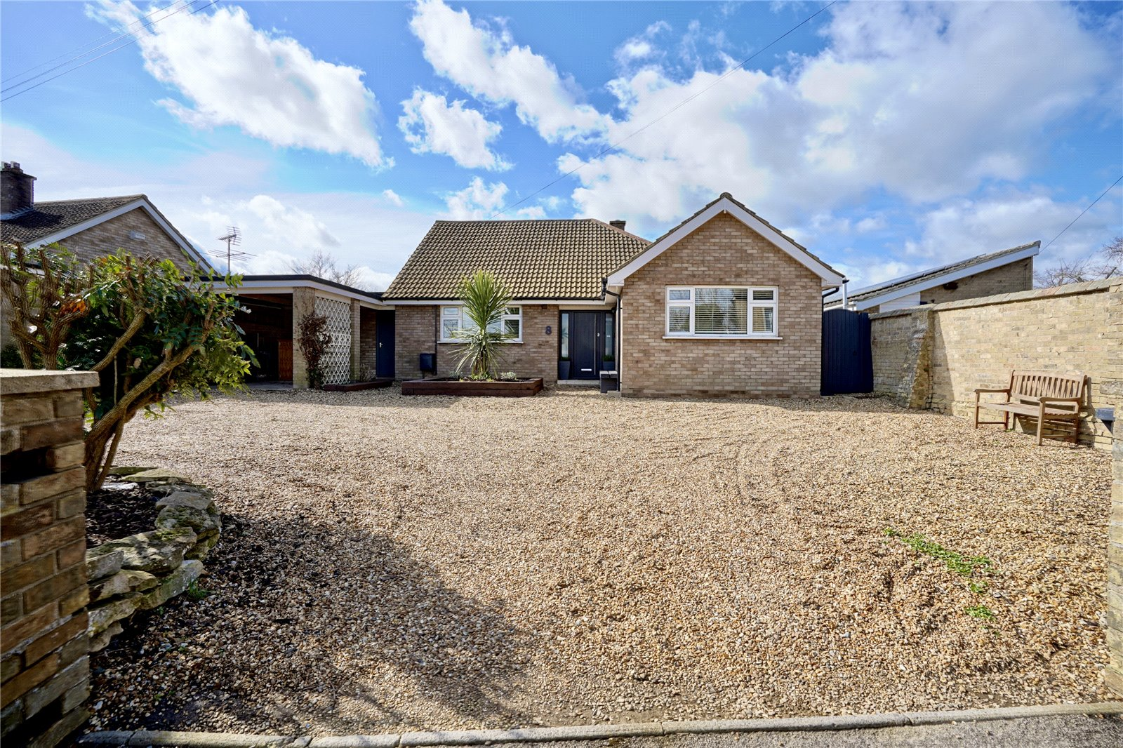3 bed bungalow for sale in Howitts Lane, Eynesbury, PE19